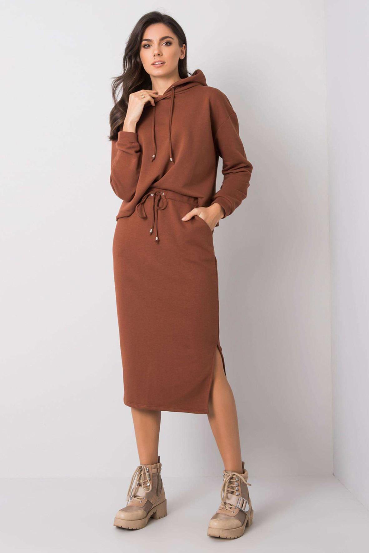 RUE PARIS Komplet damski - spódnica za kolano i bluza z kapturem - brązowa