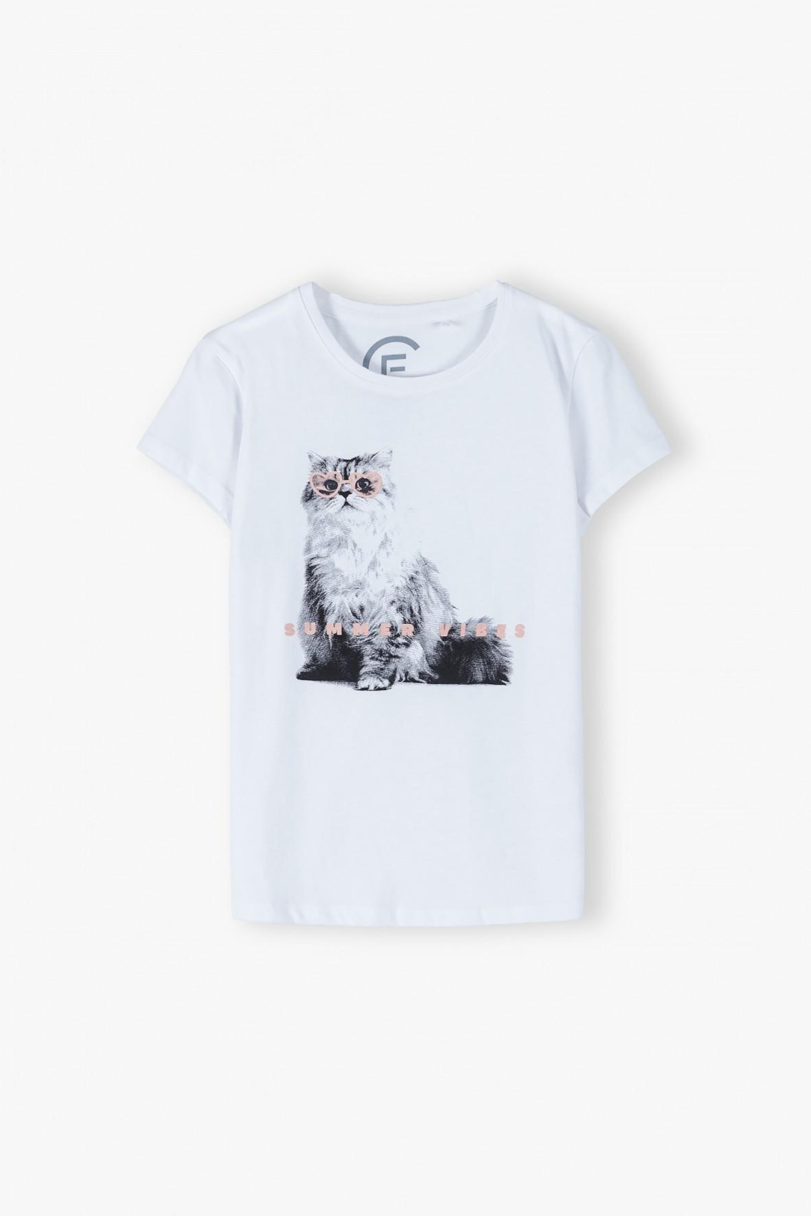 Bawełniany biały T-shirt dziewczęcy z kotem- ubrania dla całej rodziny