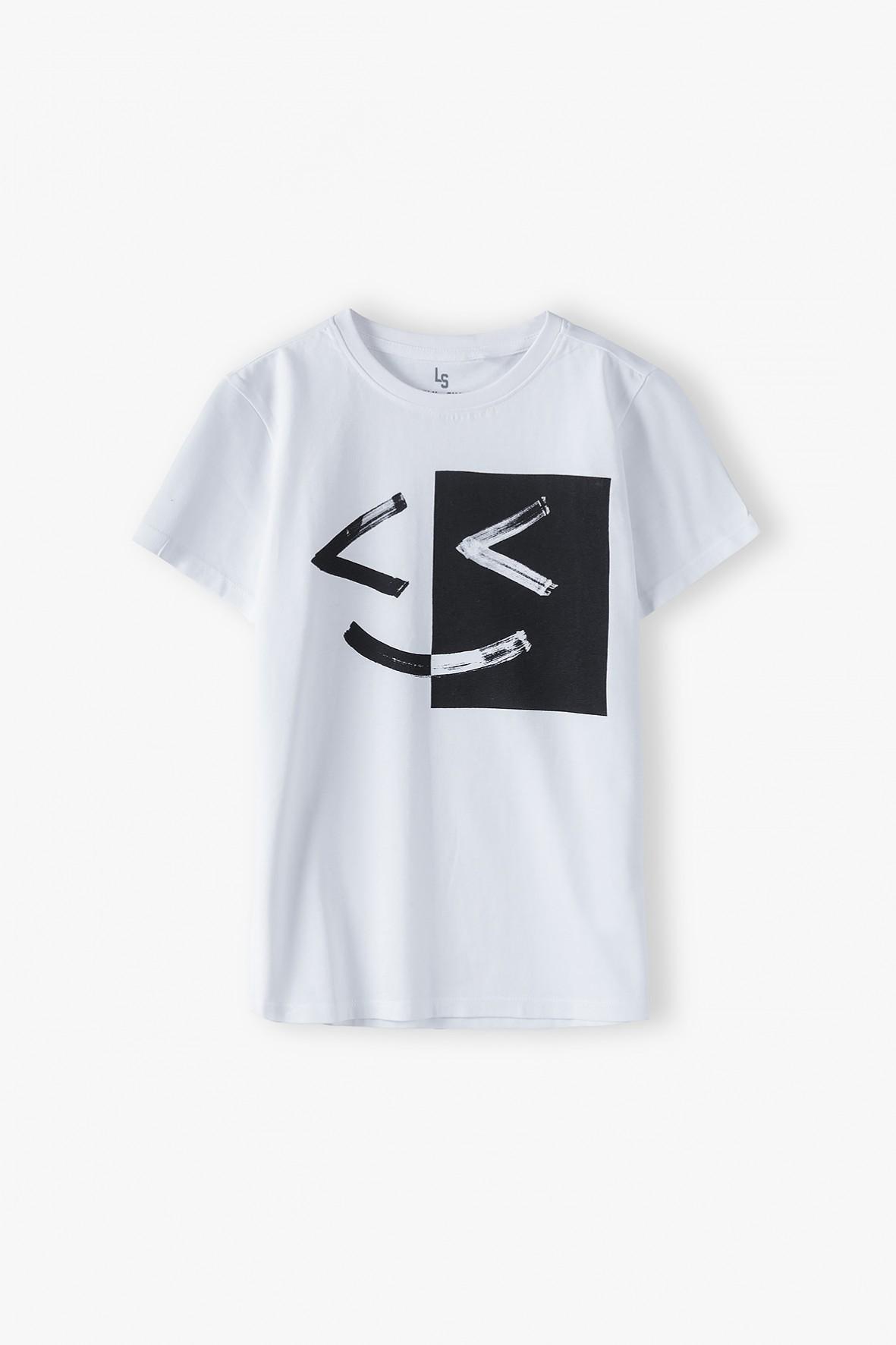 Bawełniany t-shirt chłopięcy w kolorze białym z nadrukiem