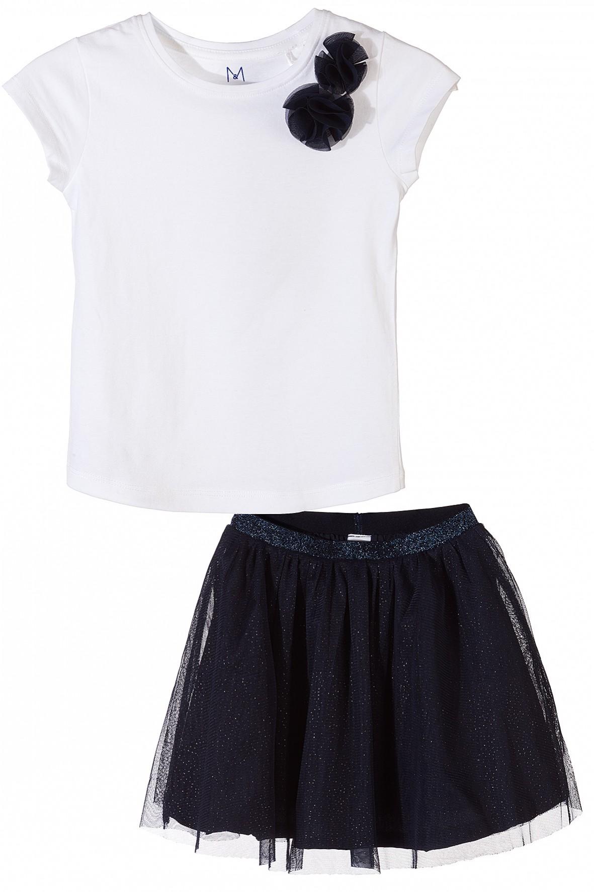 Biały t-shirt + granatowa spódnica
