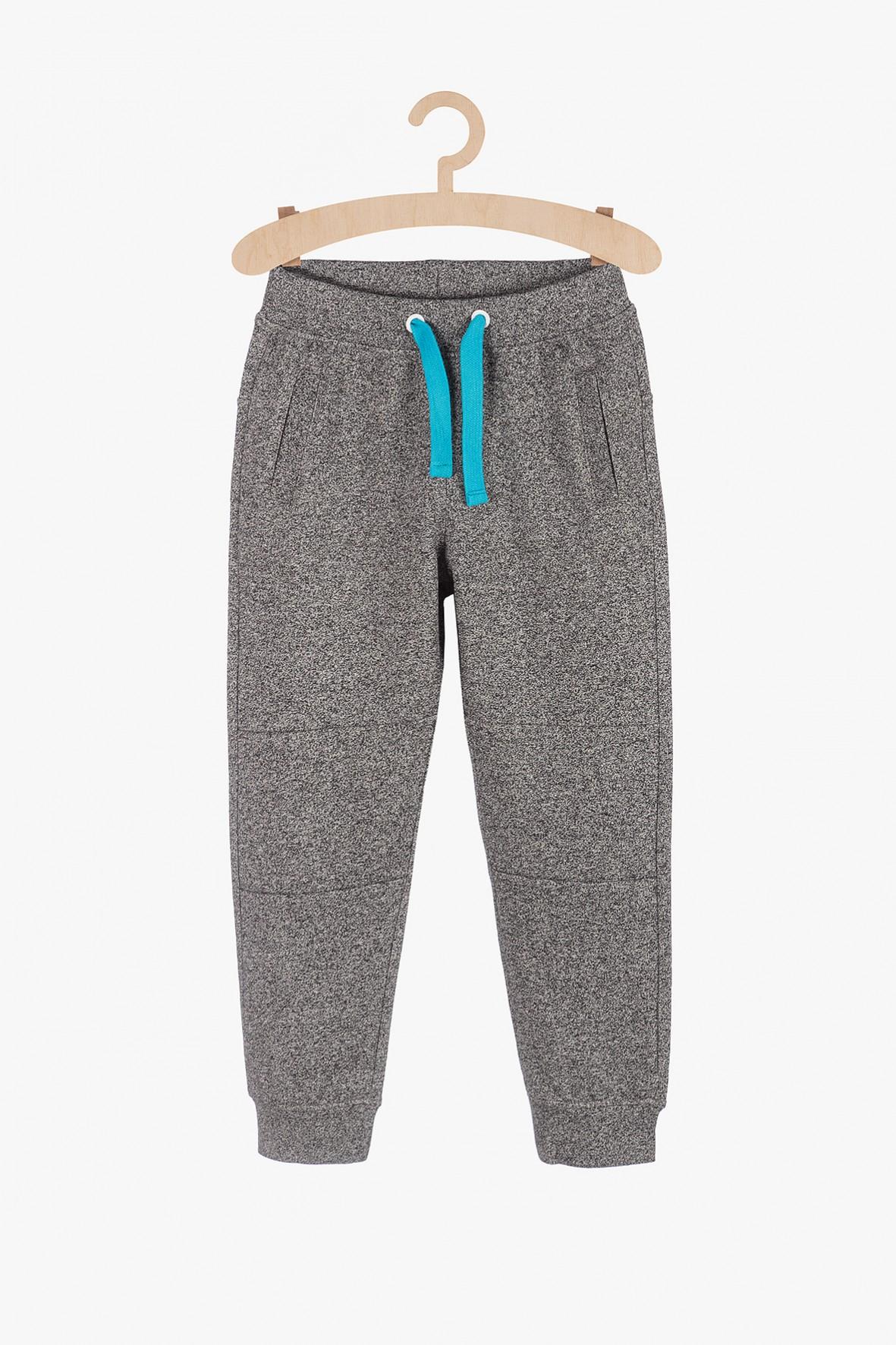Spodnie dresowe dla chłopca  - szare z kieszeniami