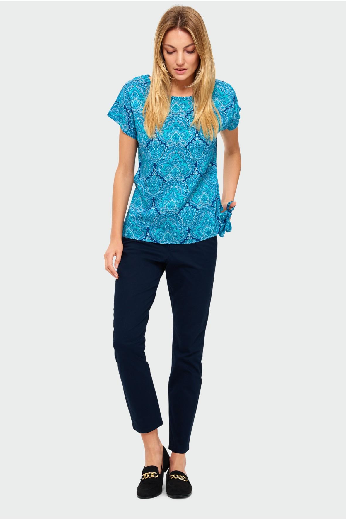 Niebieski T-shirt damski- krótki rękaw z nadrukiem