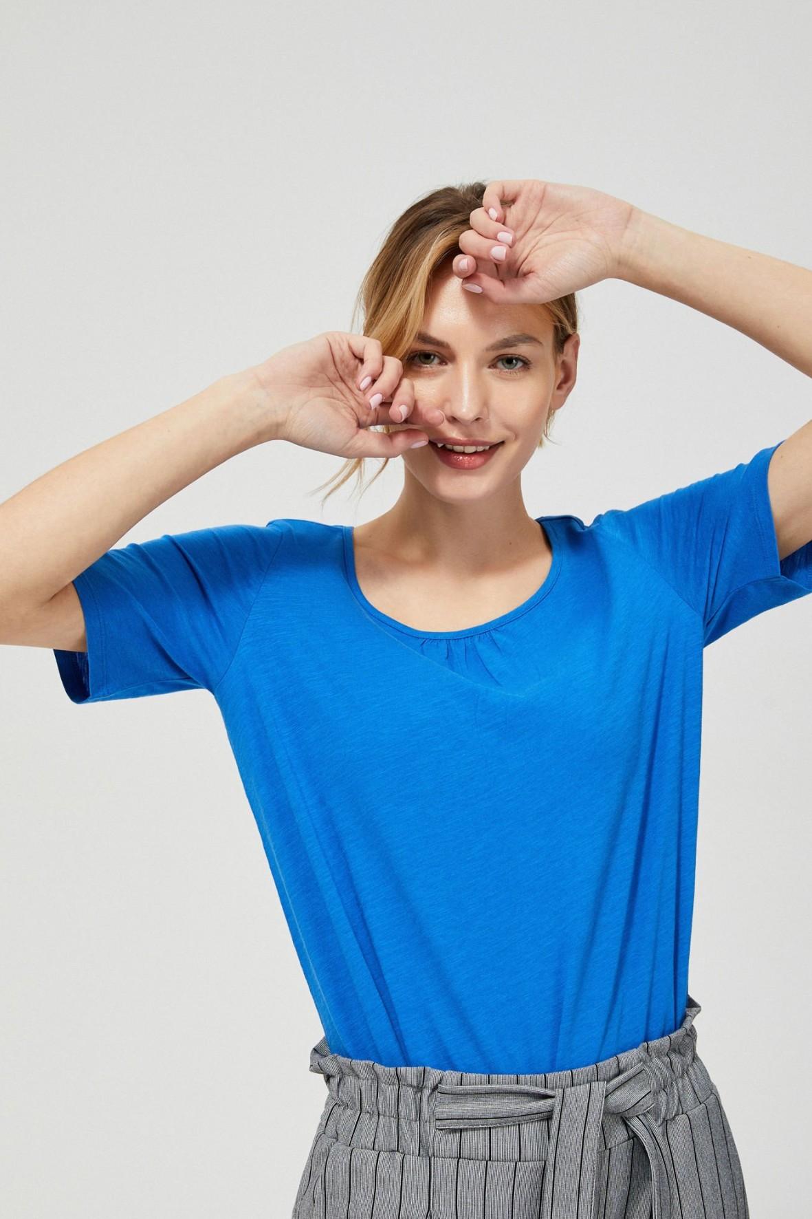 T-shirt damski bawełniany z kokardkami na rękawach- niebieski