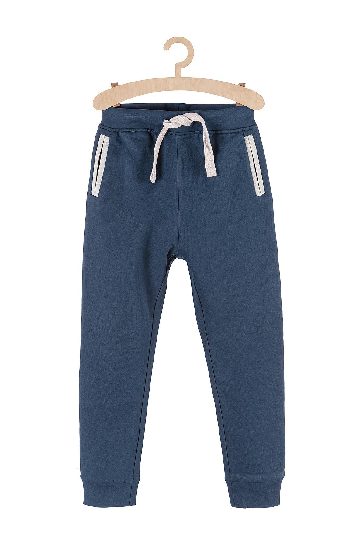 Spodnie dresowe dla chłopca granatowe gładkie