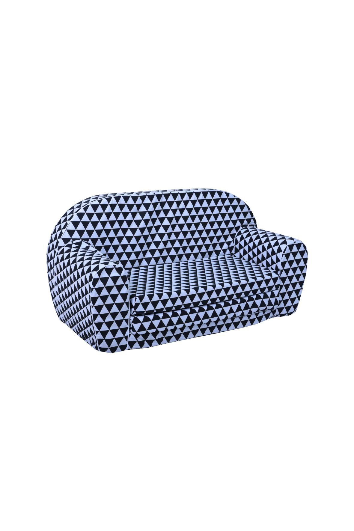 Sofa w niebiesko-czarne trójkąty