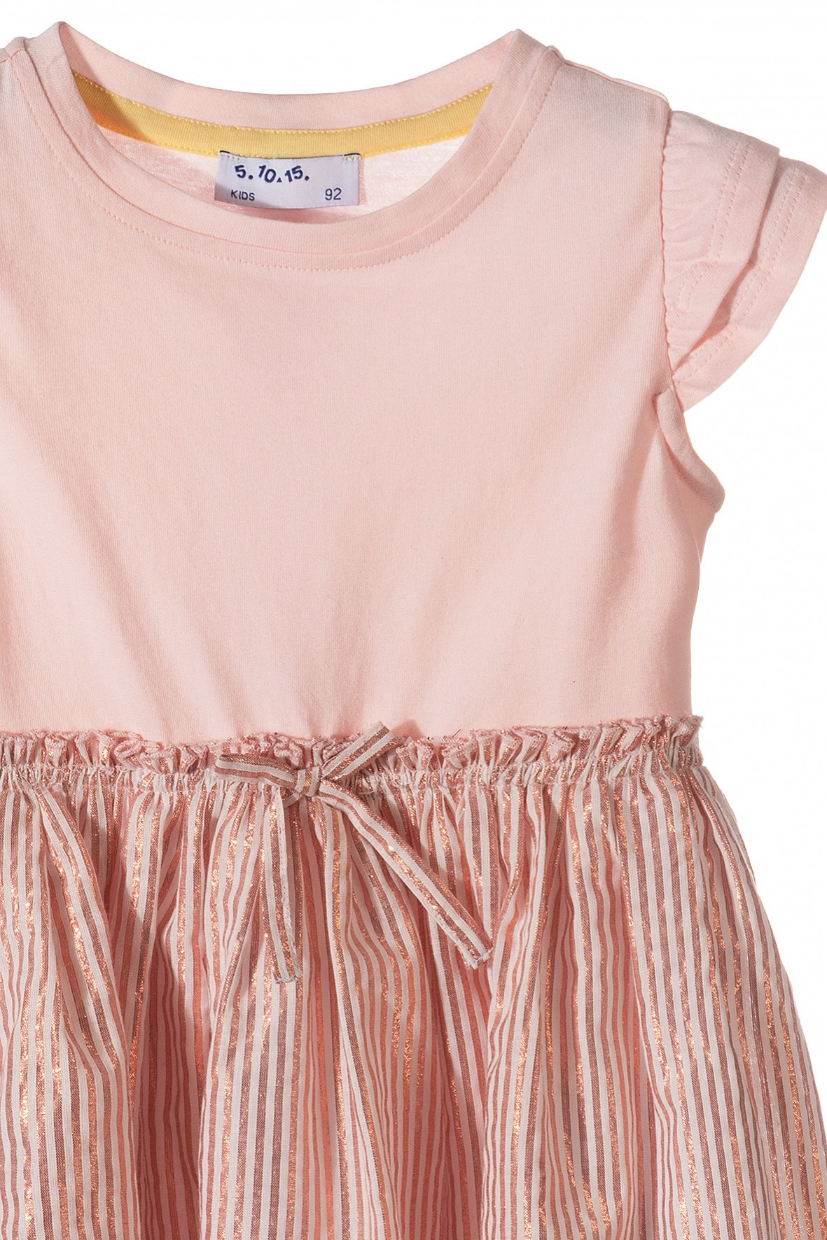 475cccdb6b Sukienka dziewczęca z połyskującą tkaninową falbanką · Sukienka dziewczęca  z połyskującą tkaninową falbanką ...