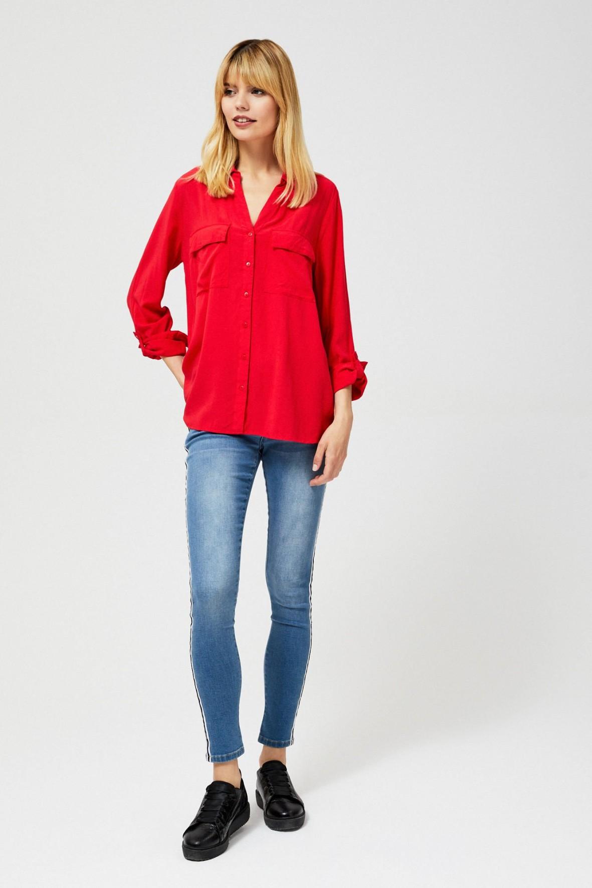 Czarwona koszula damska z długim rękawem
