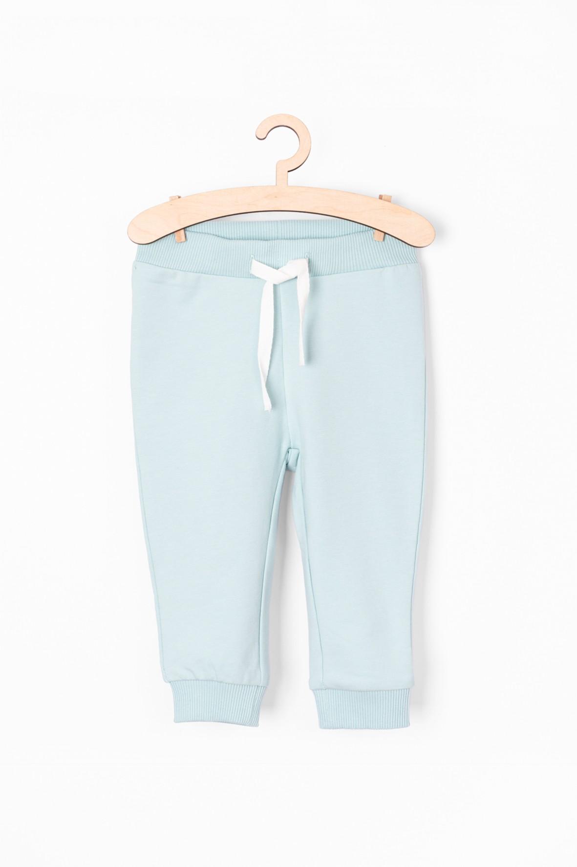 Błękitne spodnie dresowe dla niemowlaka