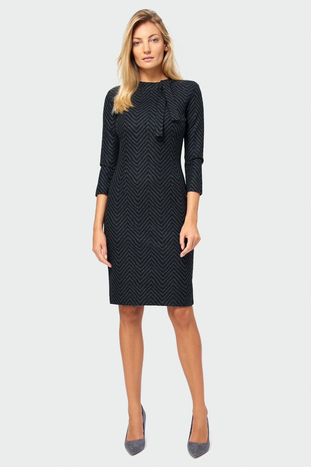 Wzorzysta sukienka ołówkowa - czarna we wzory