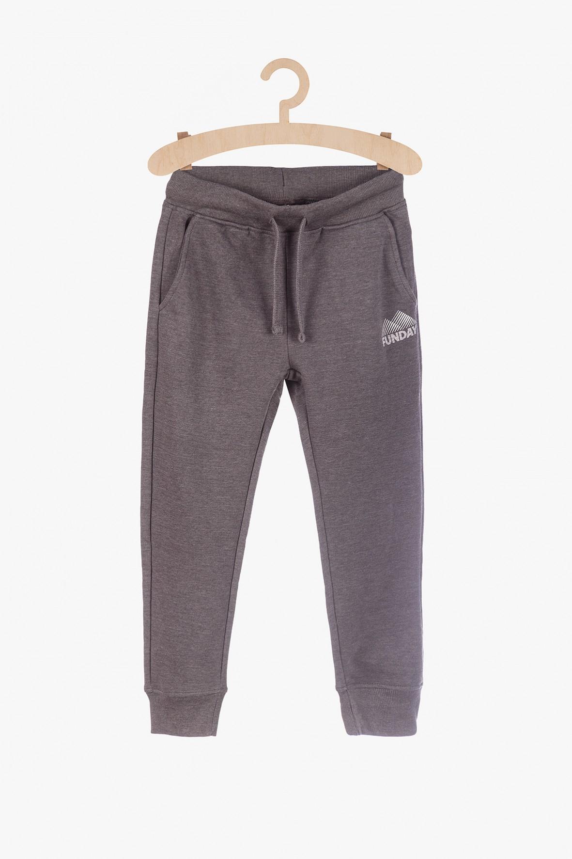 Szare dresowe spodnie dla chłopca