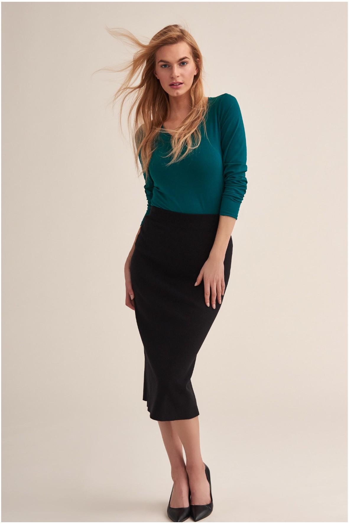 Długa dzianinowa elastyczna spódnica damska