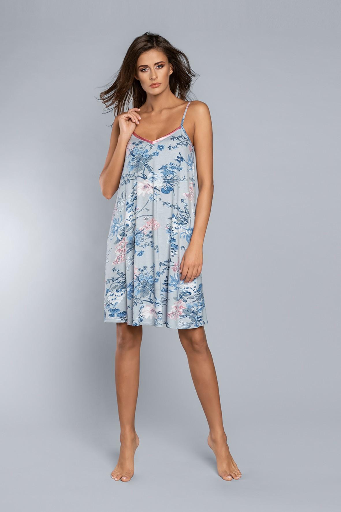 Koszula nocna damska w kolorze niebieskim w kwiaty na cienkie ramiączka