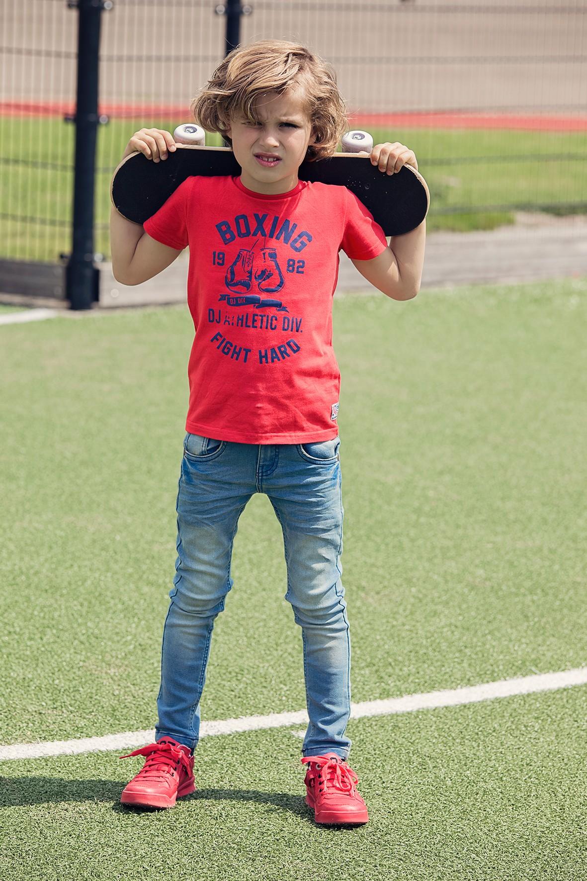 T-shirt chłopięcy czerwony z nadrukiem