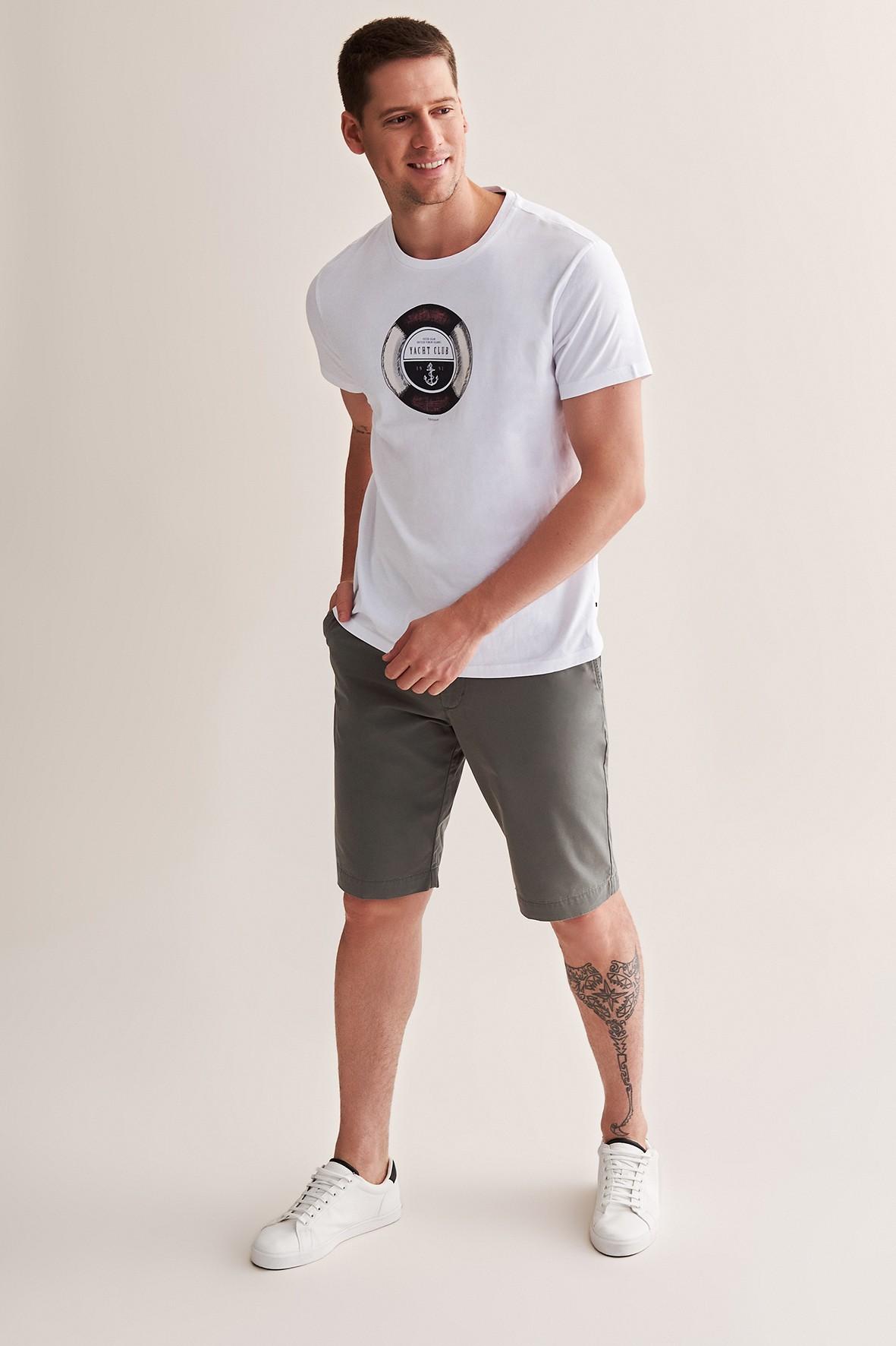 Bawełniany t-shirt męski z nadrukiem - biały