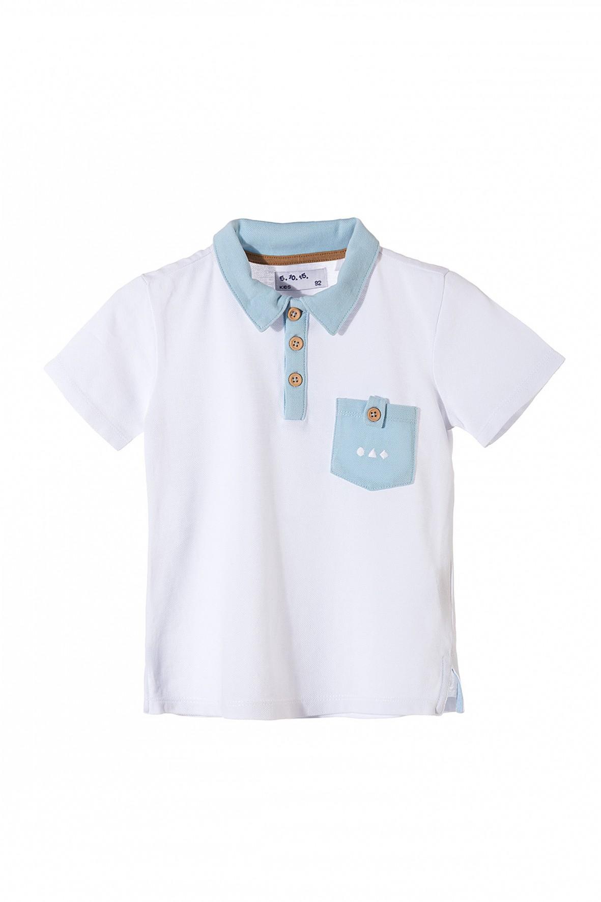 T-shirt biały dla chłopca z niebieskim kołnierzykiem