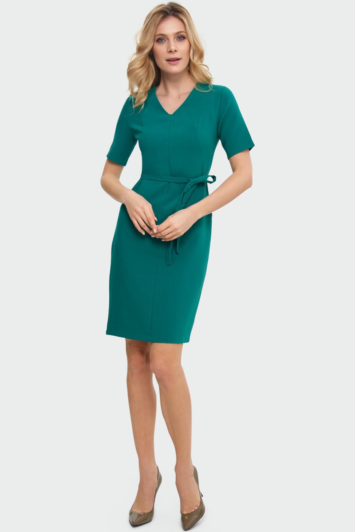 Zielona dopasowana sukienka z paskiem dekolt V