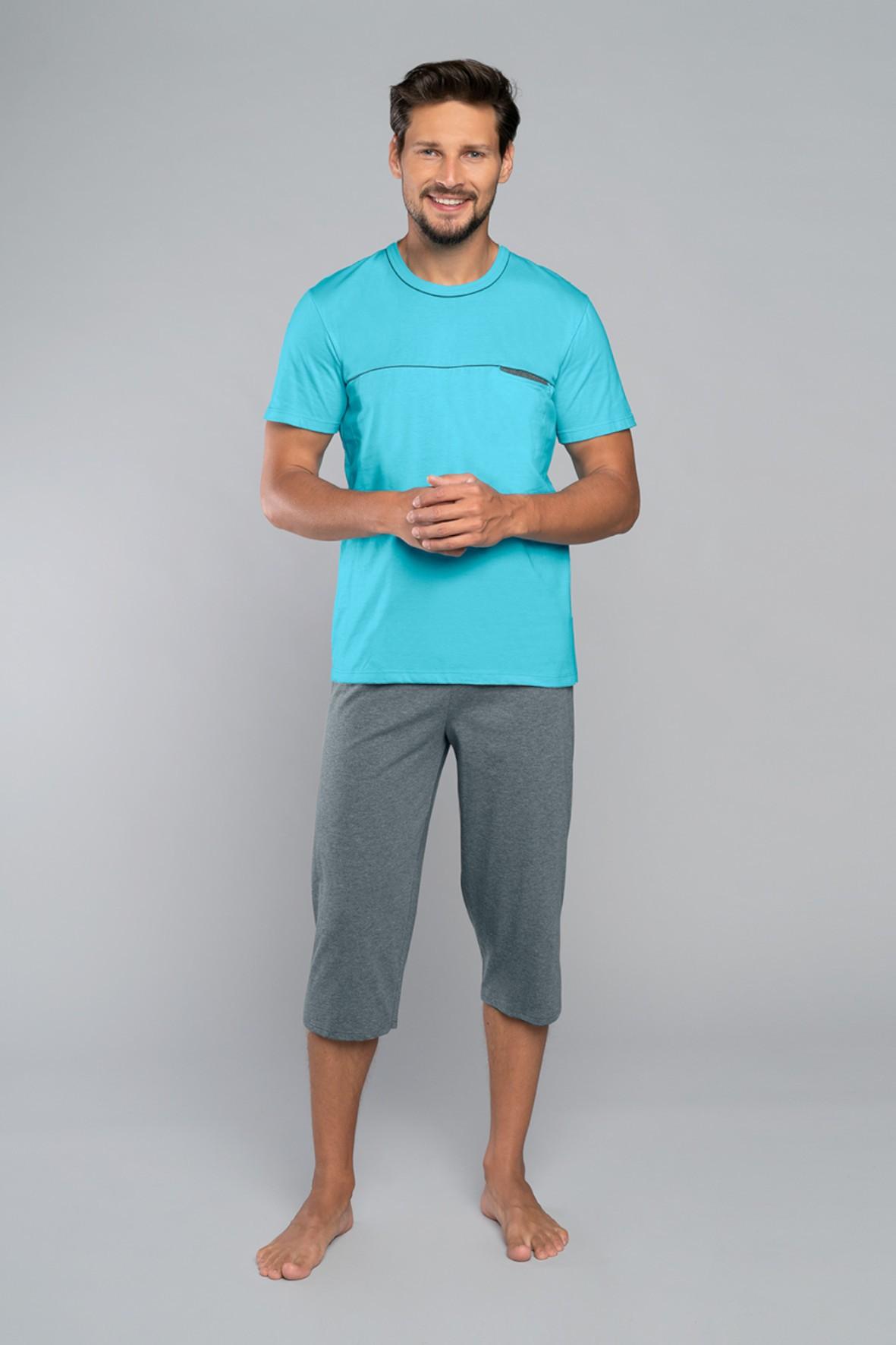 Dwuczęściowa piżama męska - niebieski t-shirt na krótki rękaw i szare spodnie 3/4 nogawka