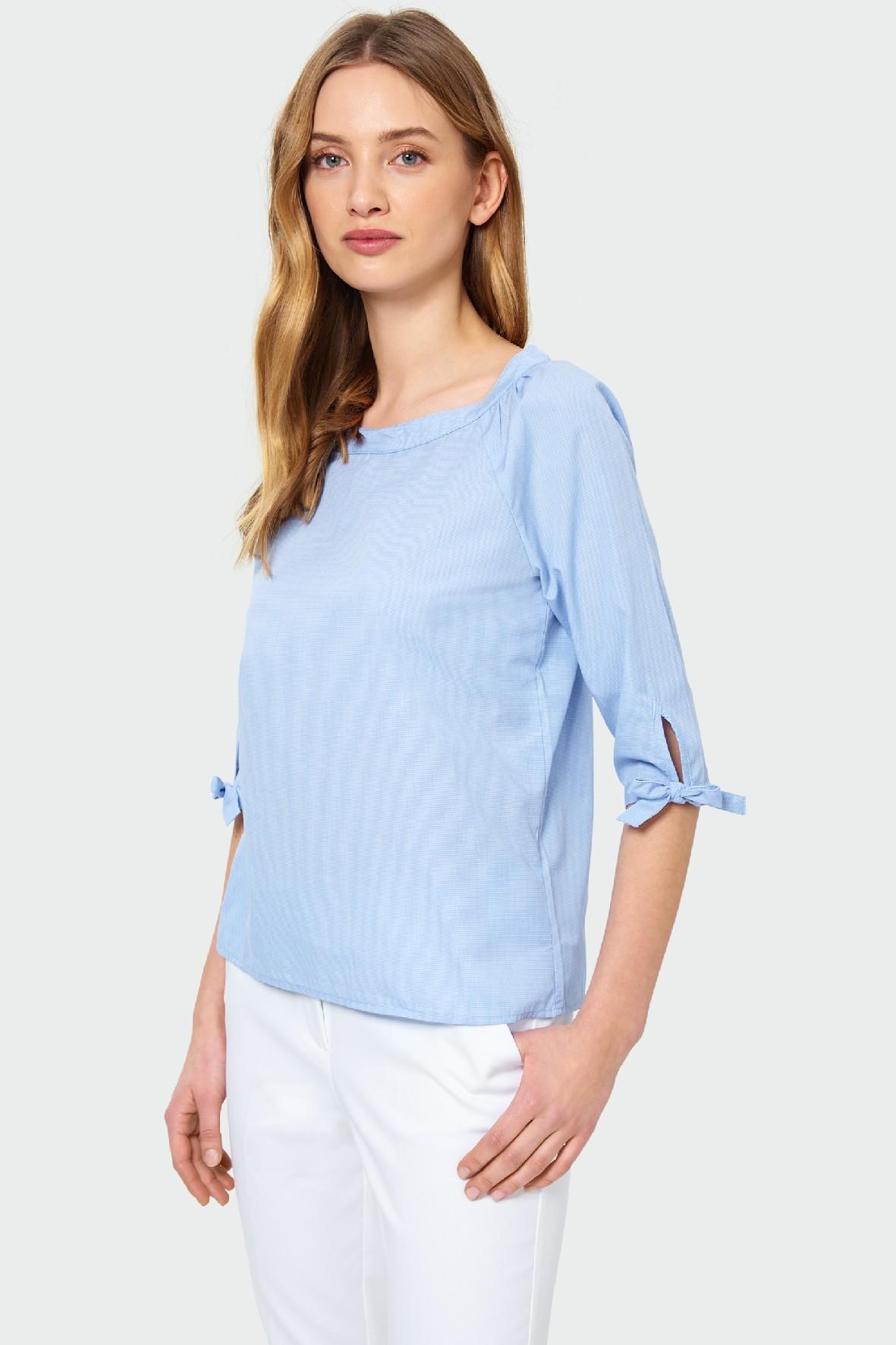Bluzka damska z ozdobnym wiązaniem na rękawie- niebieska