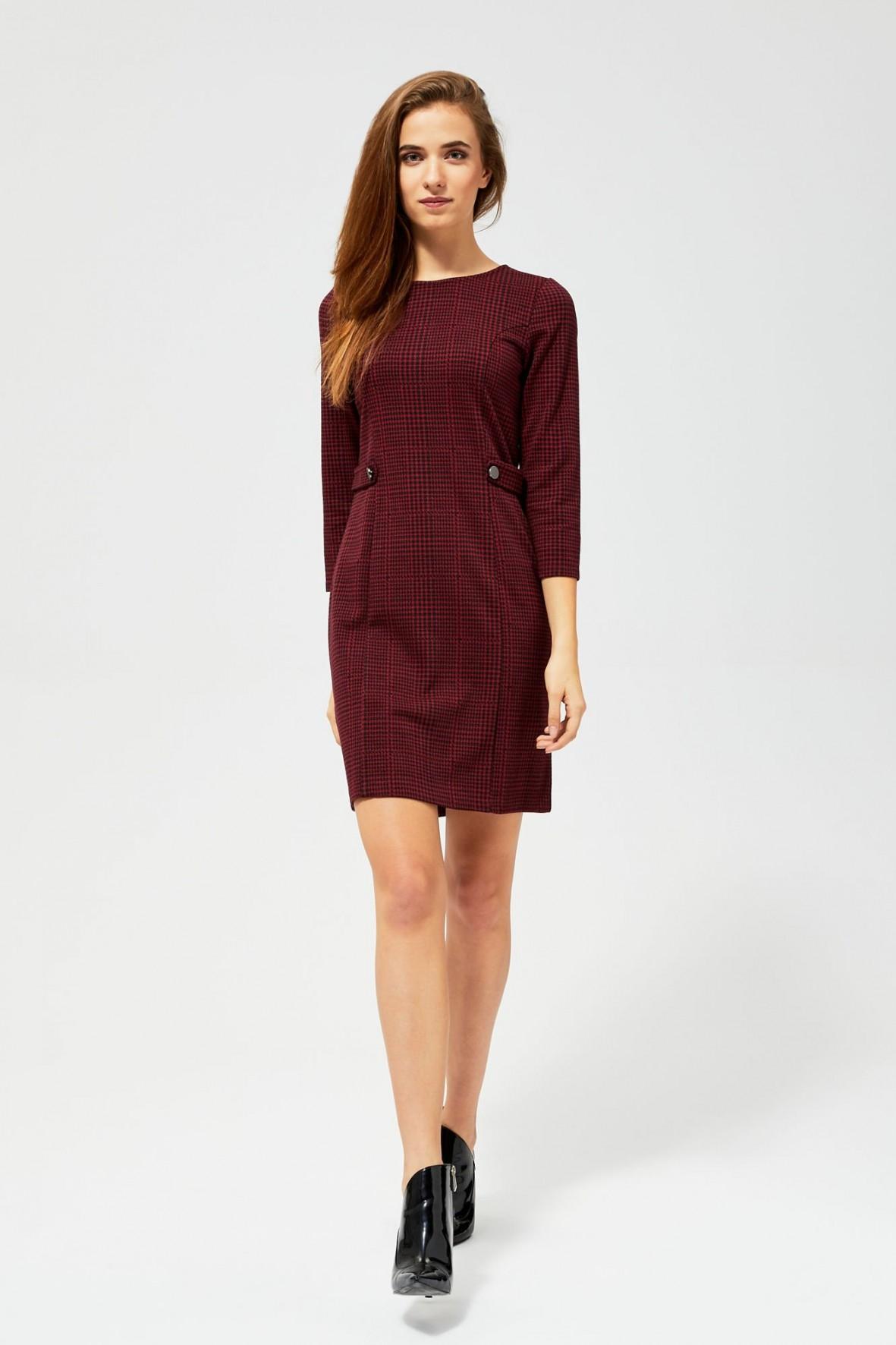 Bordowa sukienka w kratę