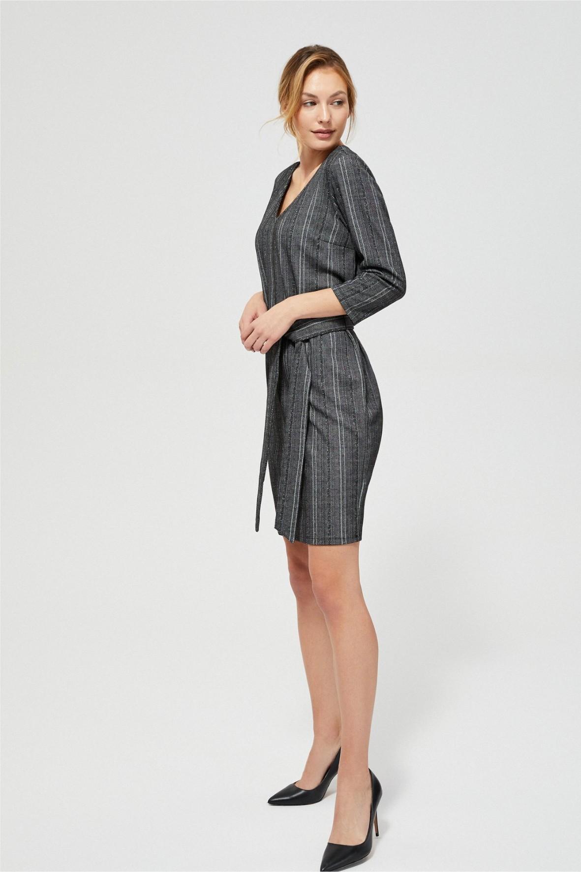 Sukienka z wiązaniem w talii- szara w paski