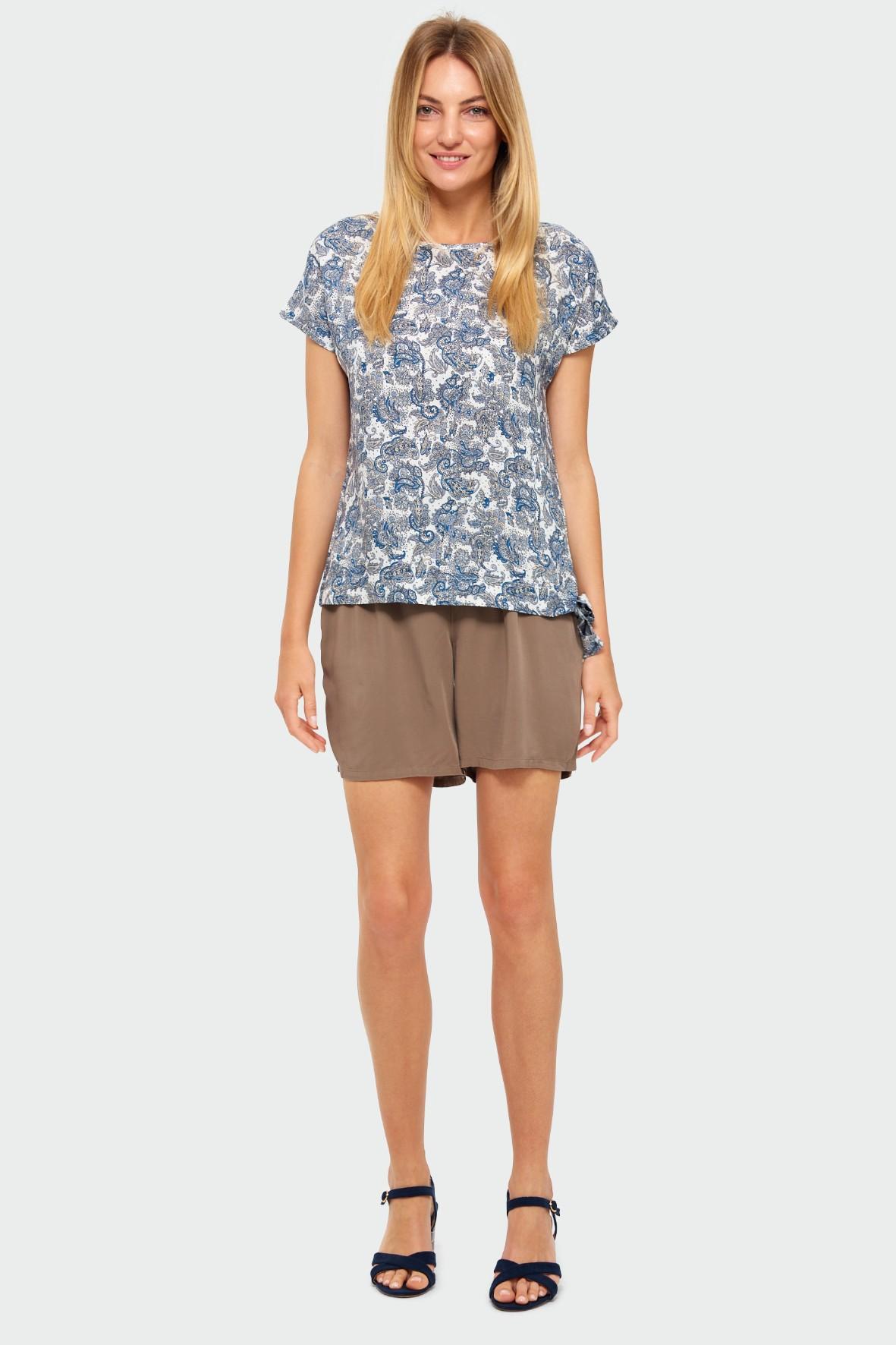 T-shirt damski na krótki rękaw z niebieskie kwiatki