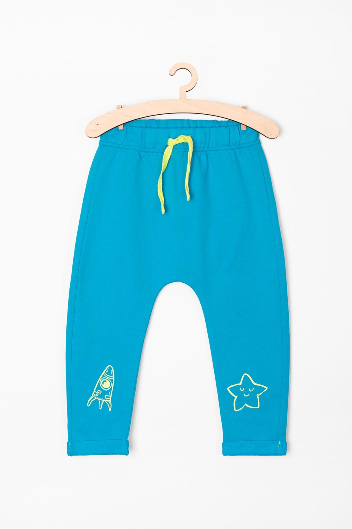 Spodnie niemowlęce z gwiazdką- niebieskie