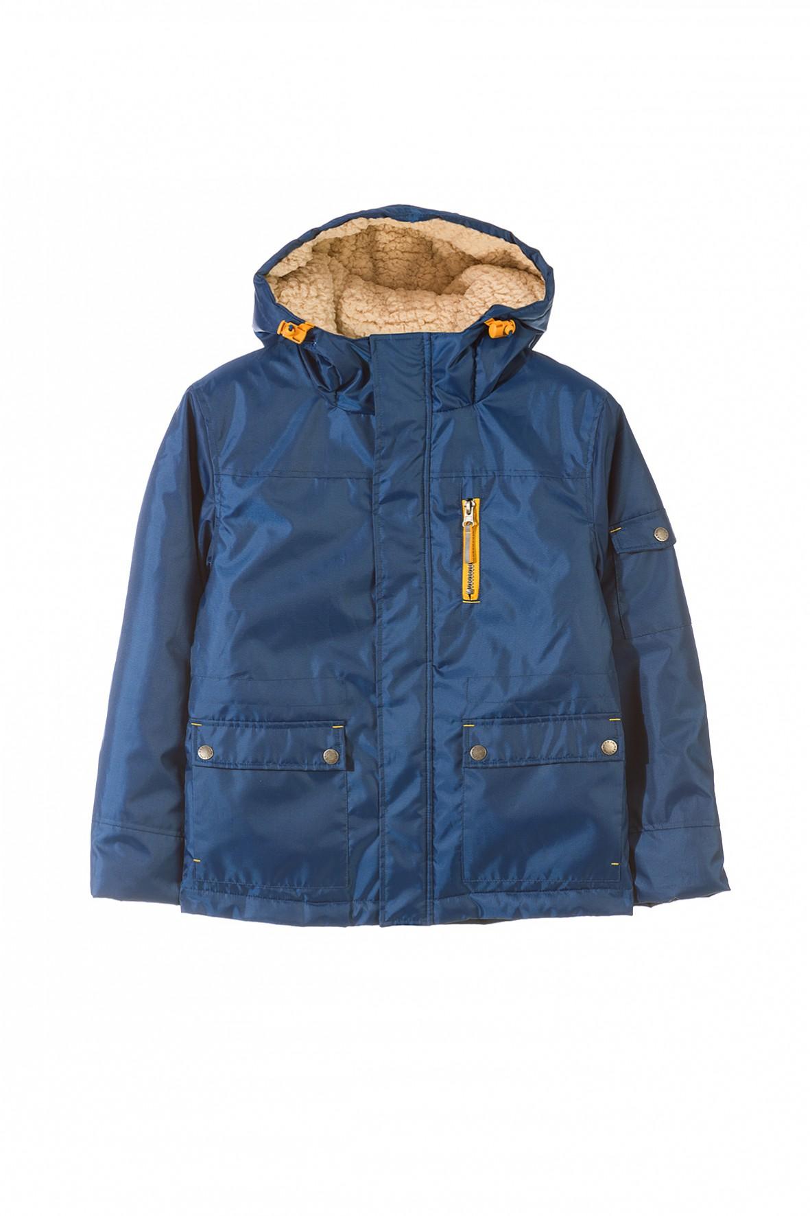 kurtka chŁopiĘca 2a Genialna kurtka dla chłopca lubiącego podążać za najnowszymi trendami. Odzienie w stonowanym kolorze o klasycznej formie przełamanej modnymi detalami z pewnością przypadnie do gustu każdemu nastolatkowi.