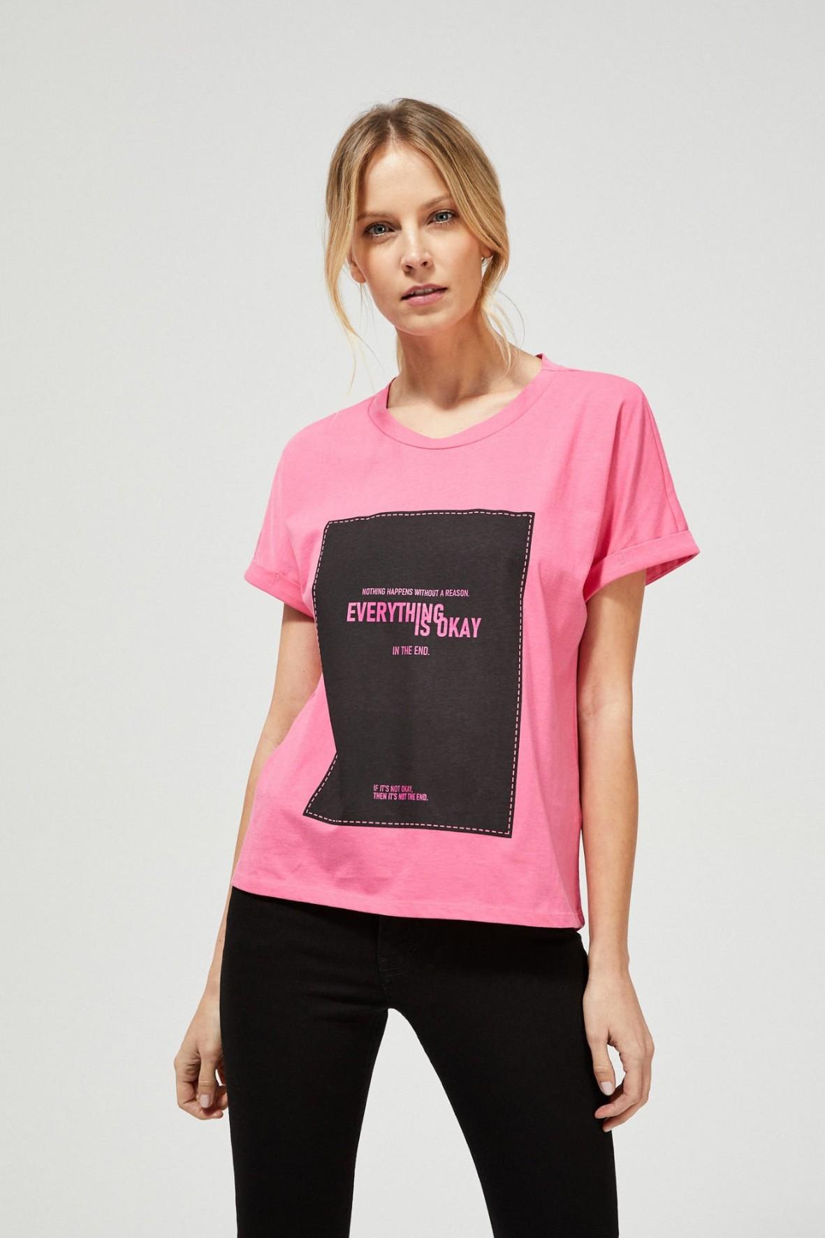 Bawełniany różowy T-shirt damski na krótki rękaw z napisami