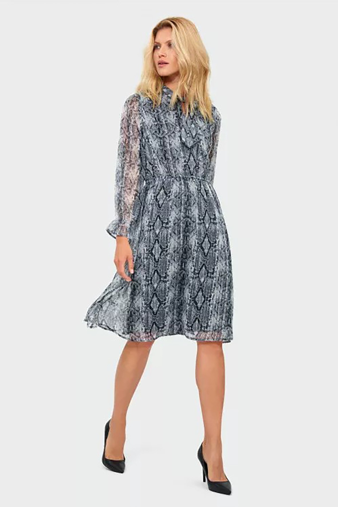 Zwiewna sukienka damska z długim rękawem