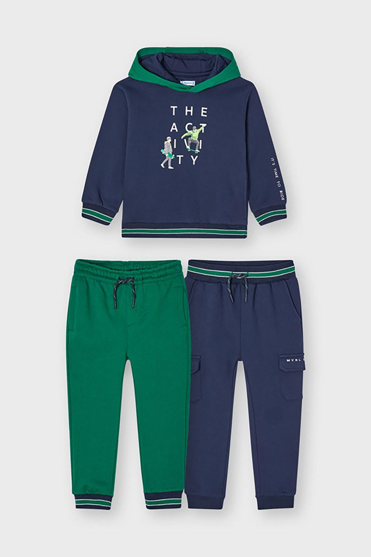 Dres chłopięcy Mayoral - bluza z kapturem z nadrukiem  + 2 x spodnie dresowe z troczkami