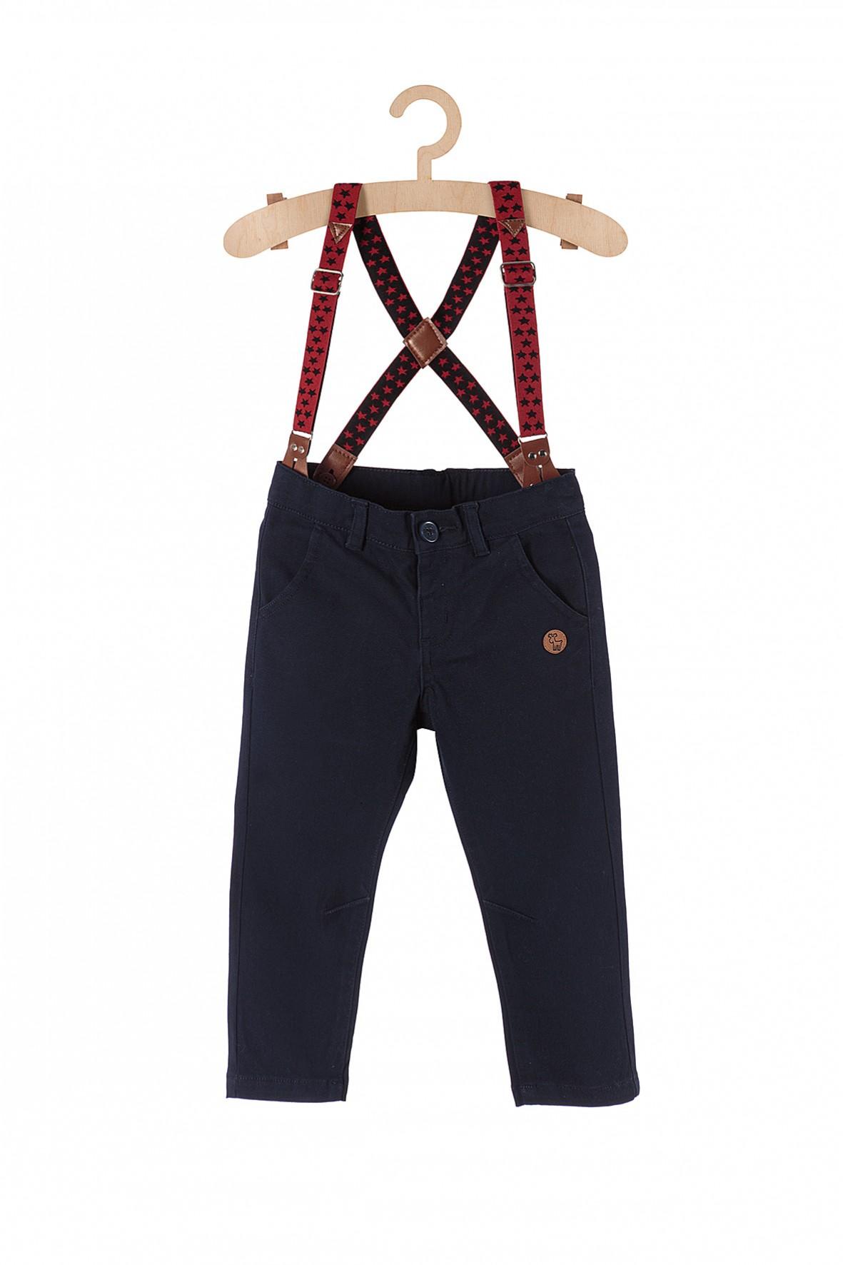 Spodnie dla chłopca- granatowe z bordowymi szelkami