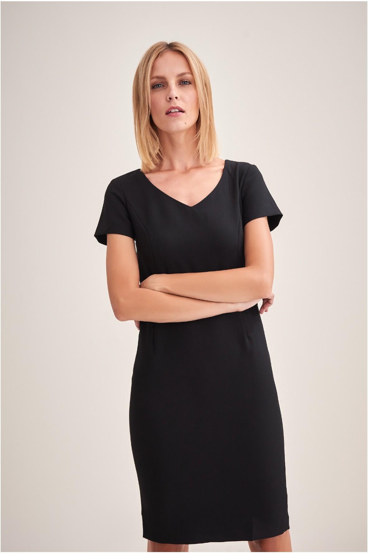 Klasyczna mała czarna sukienka z krótkim rękawem