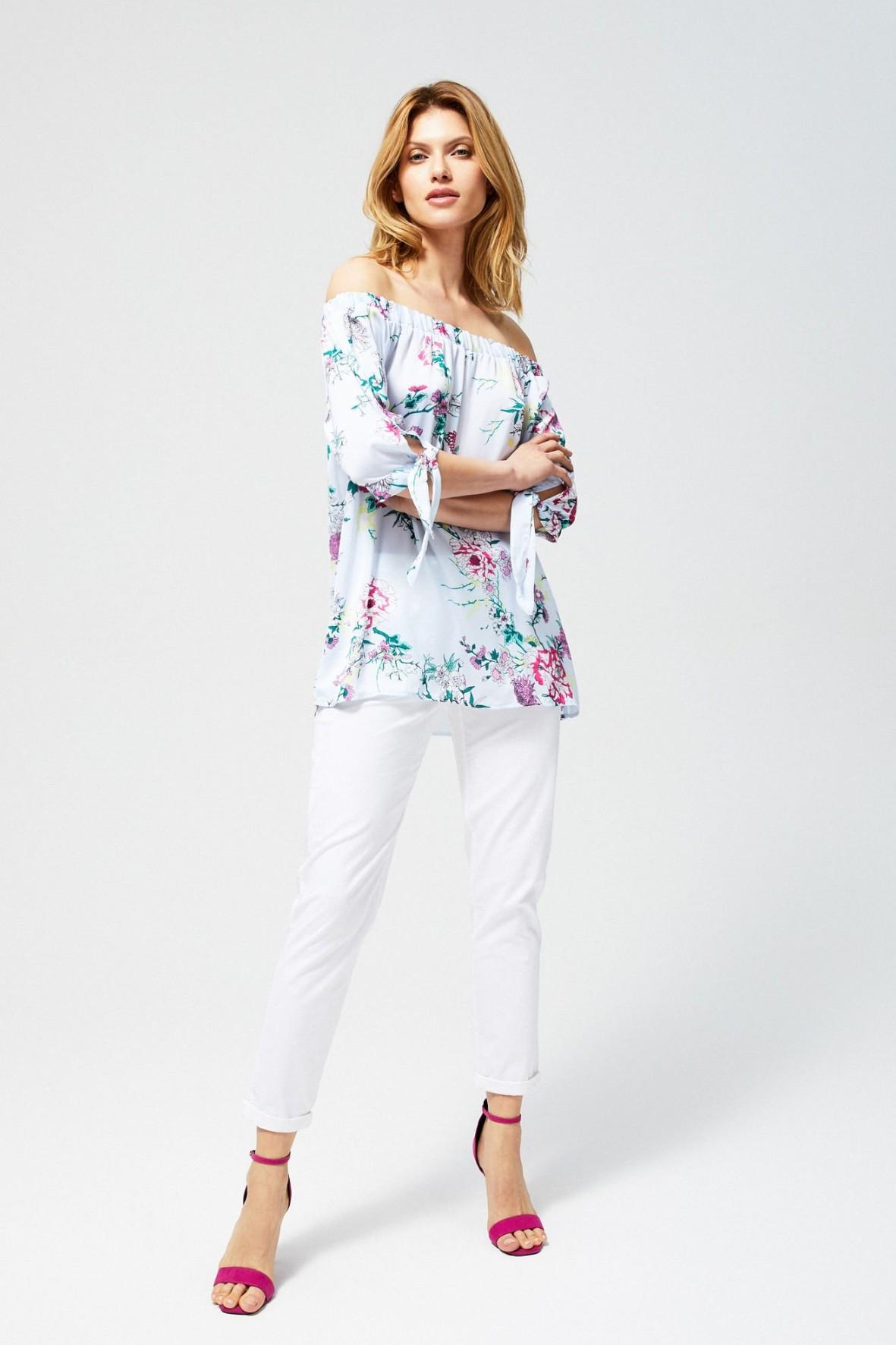 Bluzka damska koszulowa w kwiaty biała