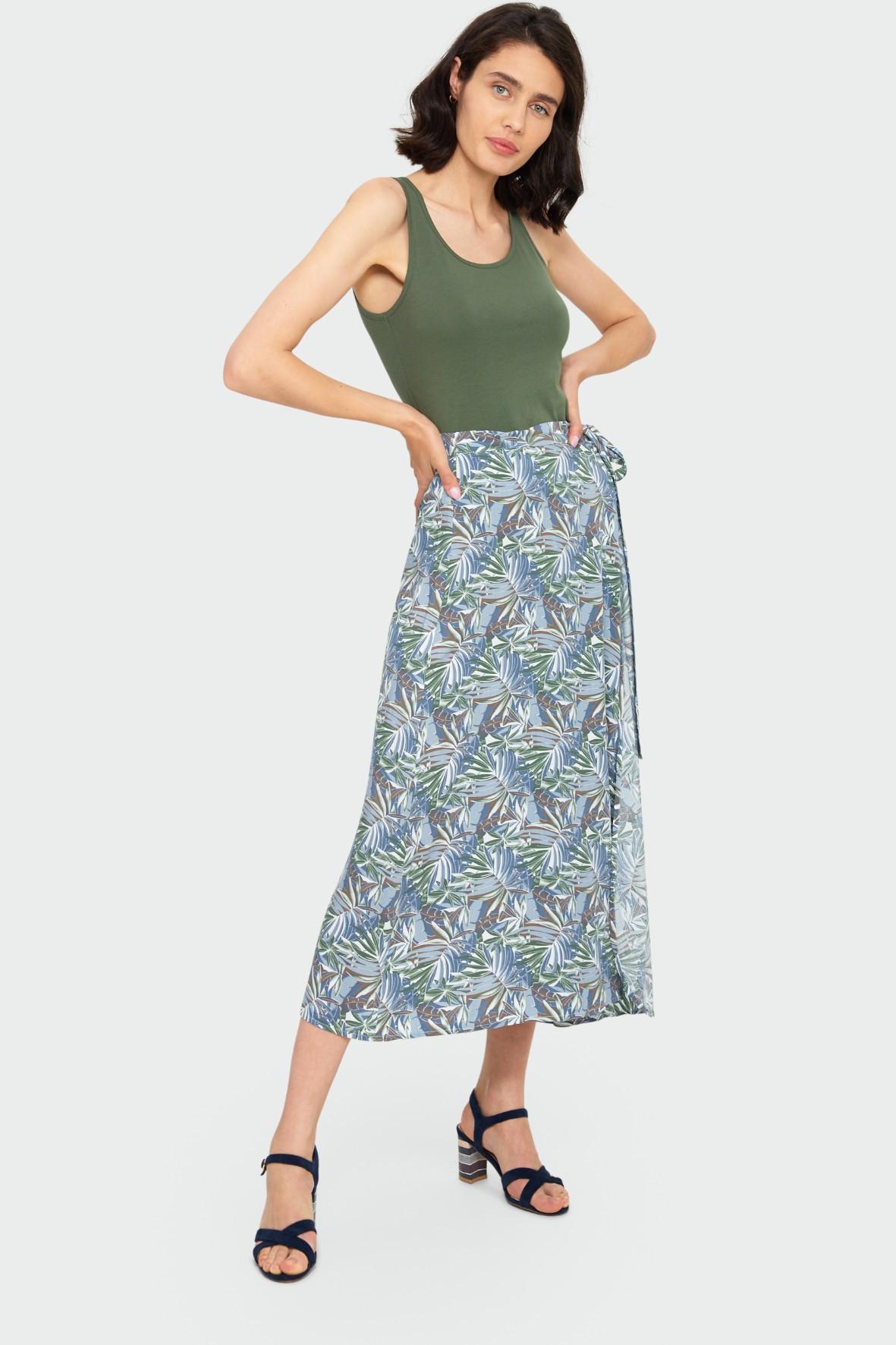 Bawełniany zielony top na ramiączkach - ubrania dla kobiet