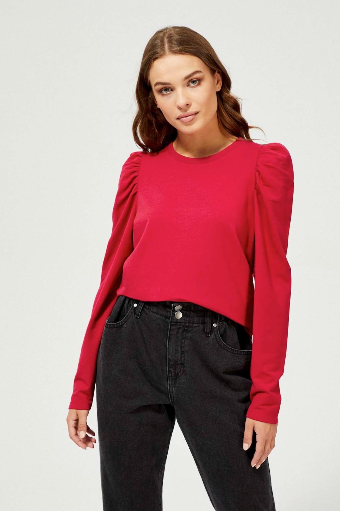 Czerwona bluza damska z bufiastymi rękawami