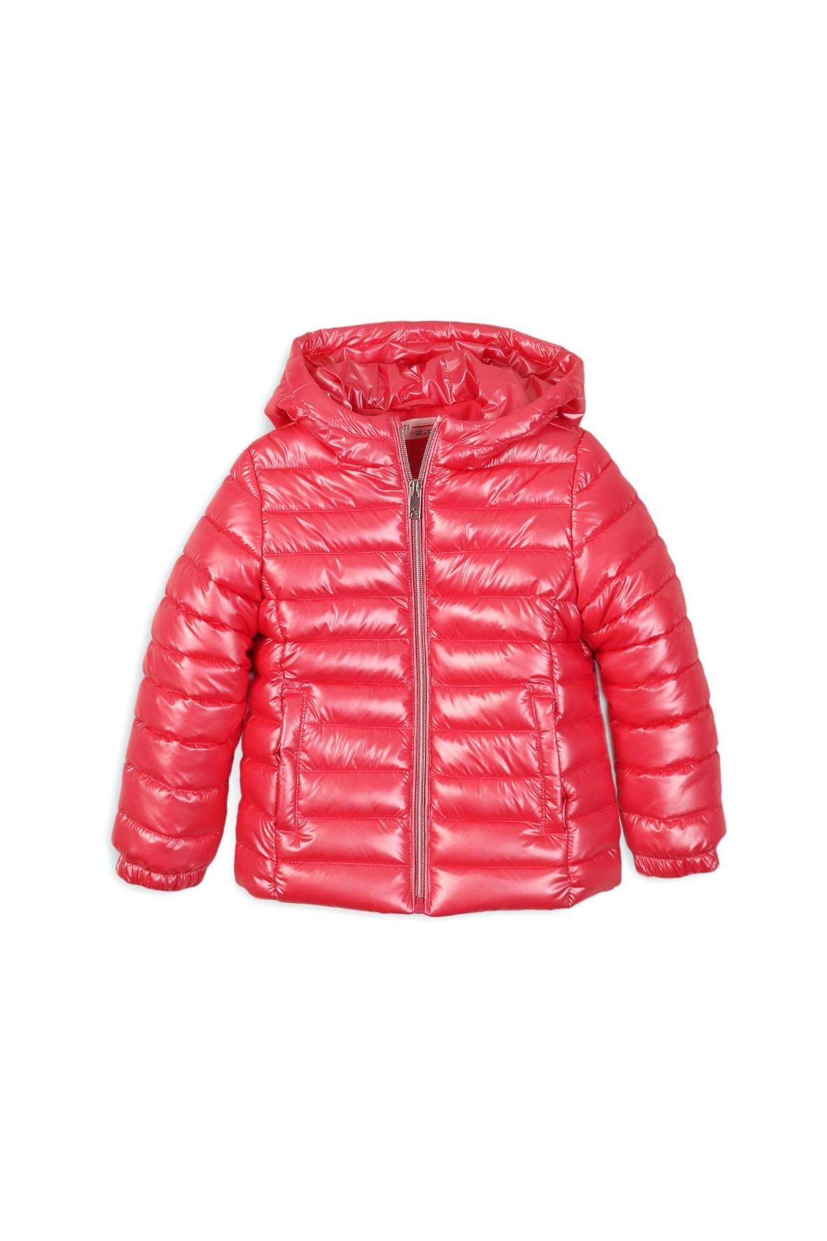 Różowa pikowana kurtka dla niemowlaka