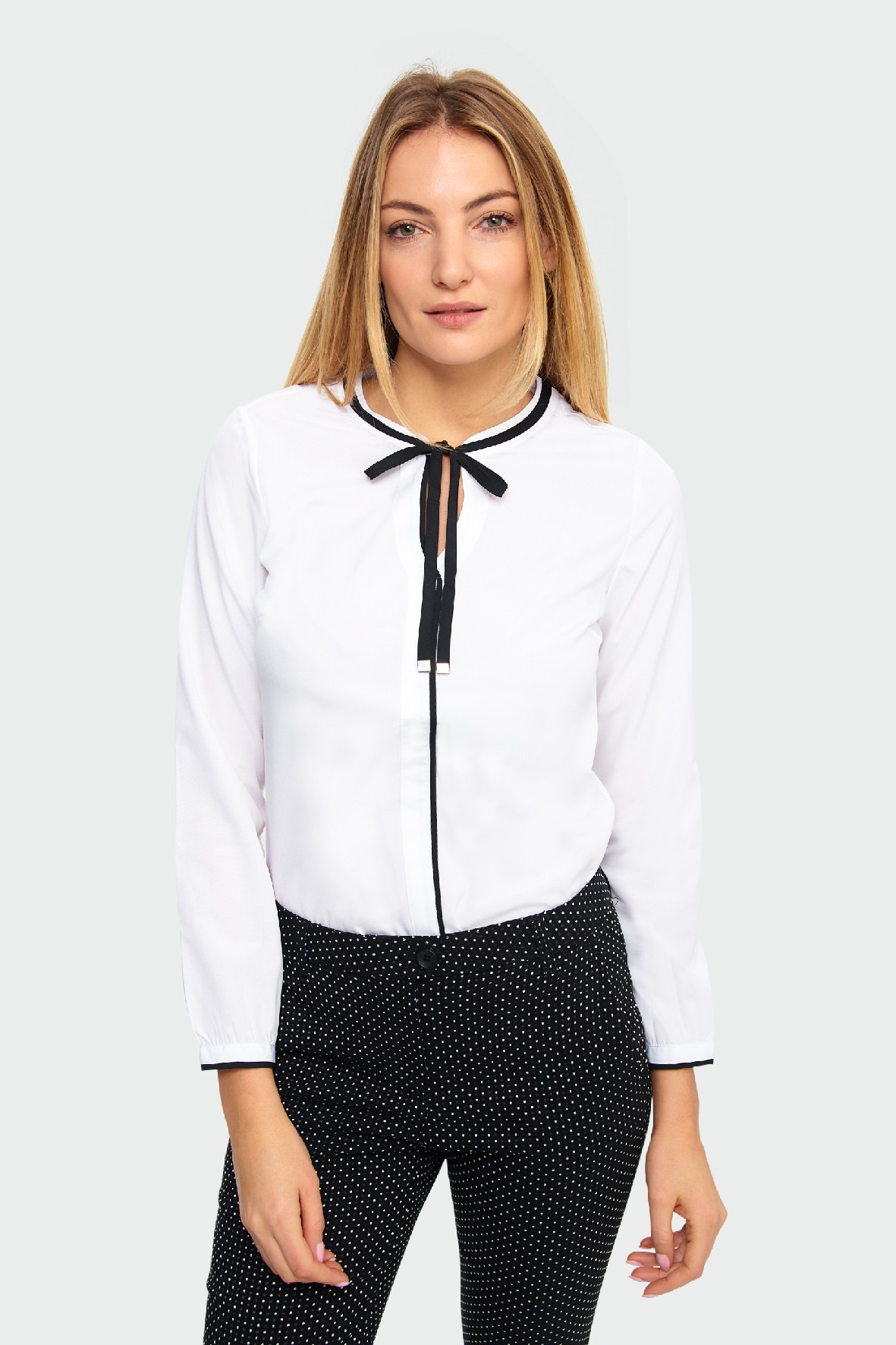 Bluzka damska biała z długim rękawem