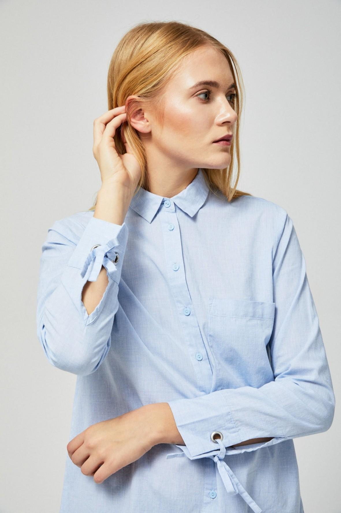 Niebieska koszula damska z długim rękawem