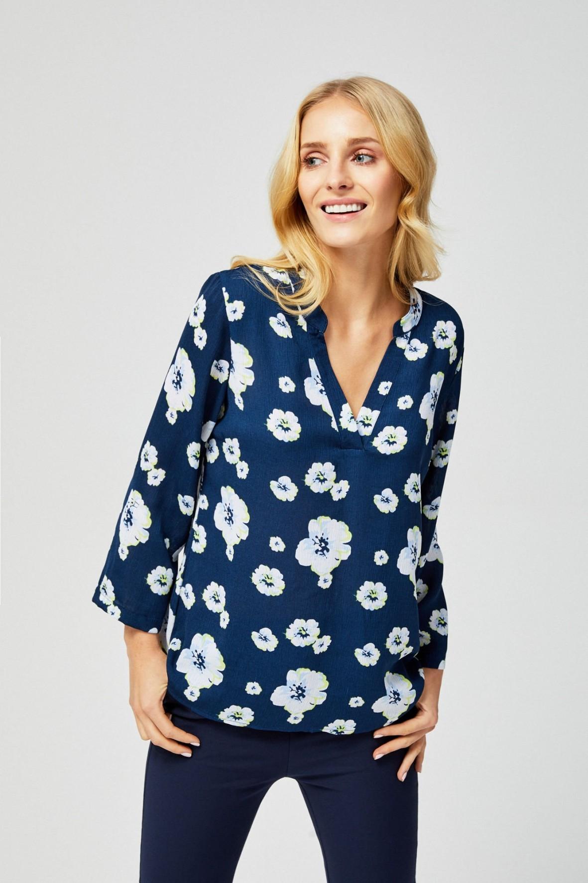Luźna bluzka damska z motywem kwiatowym