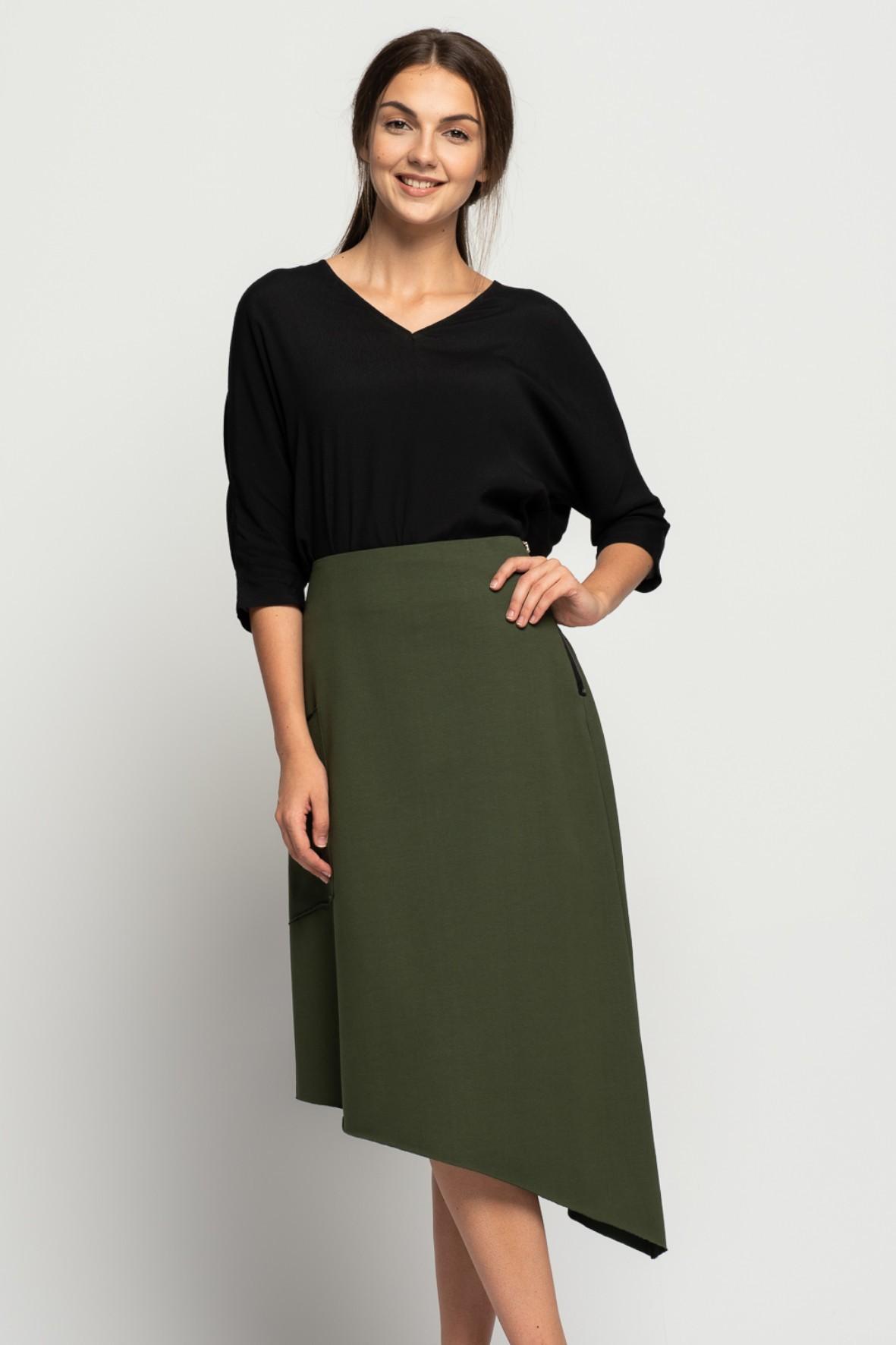 Asymetryczna spódnica z kieszeniami- khaki