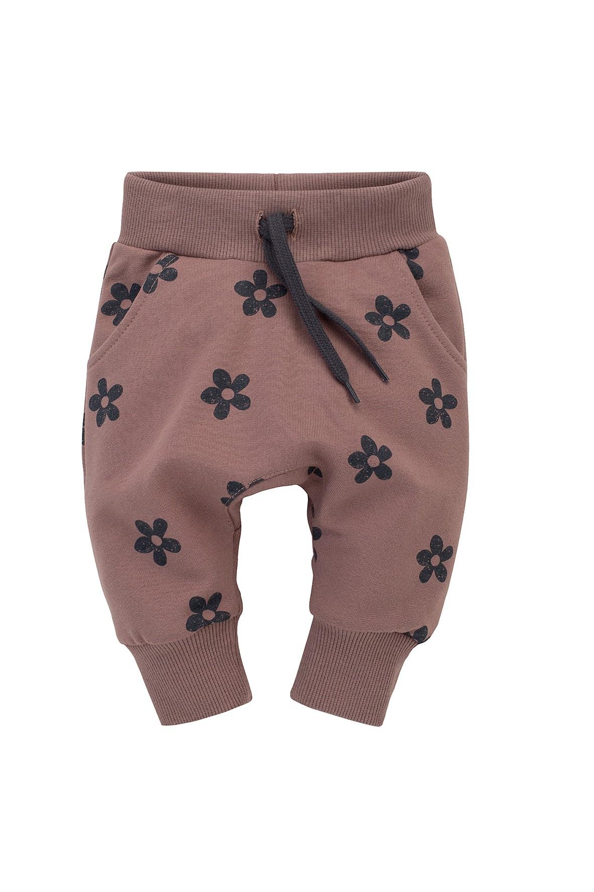 Spodnie niemowlęce dresowe pumpy różowe w kwiatki