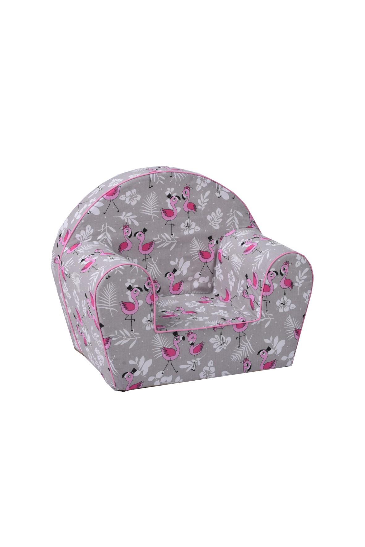 Szary fotelik z różowymi flamingami