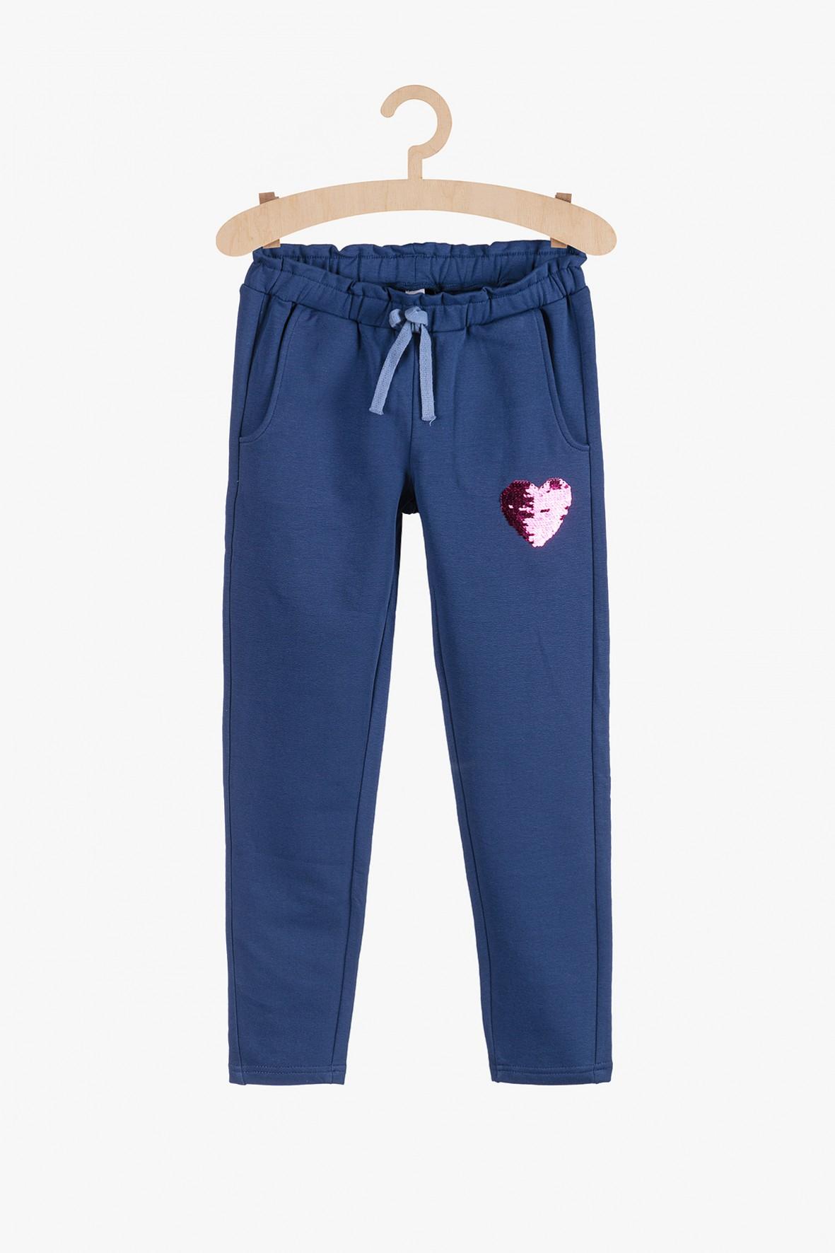 Spodnie dresowe- niebieskie z cekinowym serduszkiem