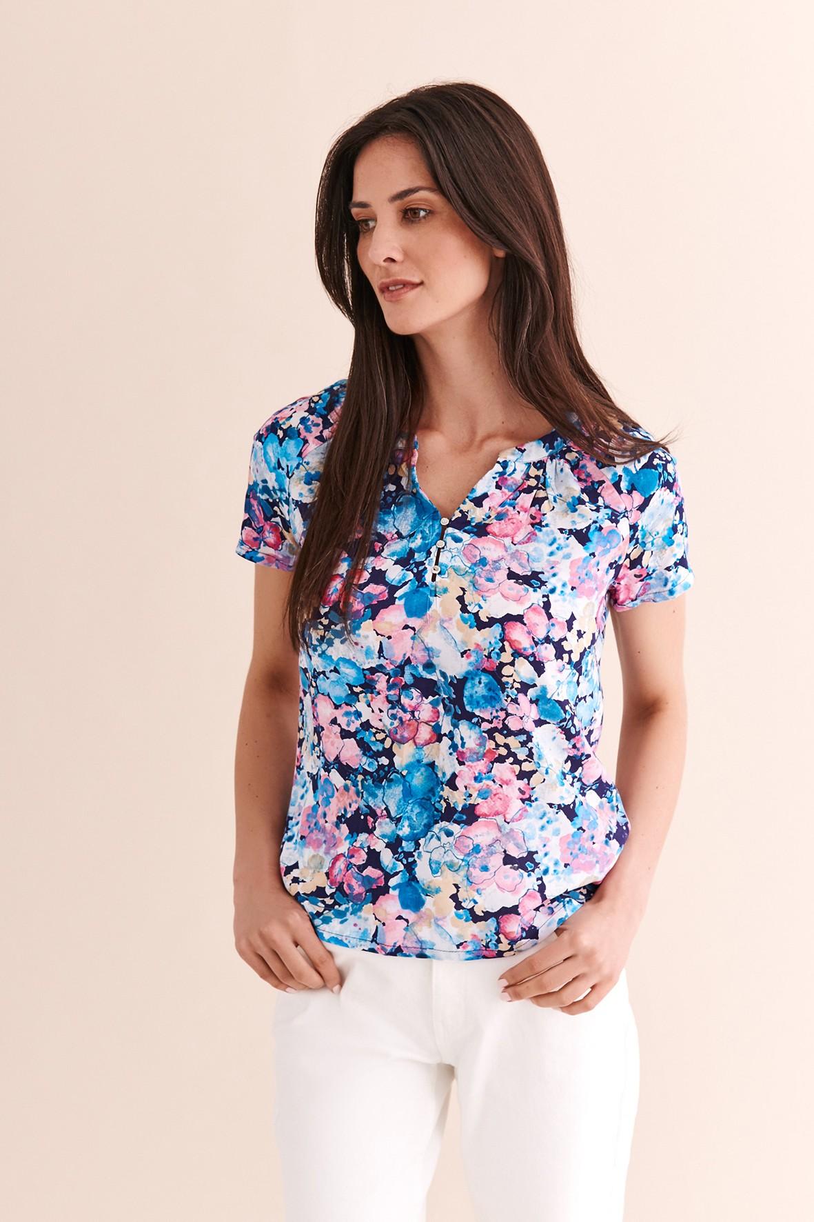 Wzorzysta bluzka tkaninowa w kwiaty - ozdobny dekolt