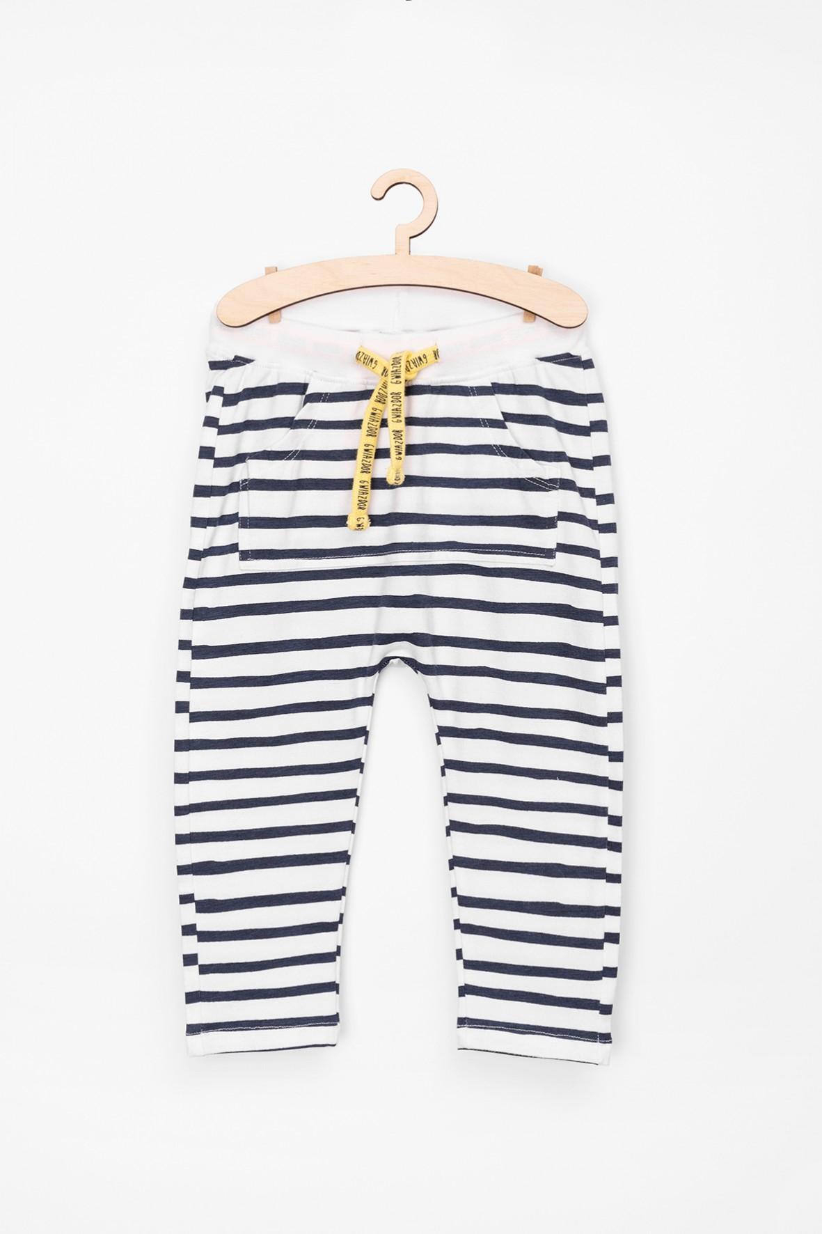 Komplet ubrań spodnie i bluza dzianinowa z krabem