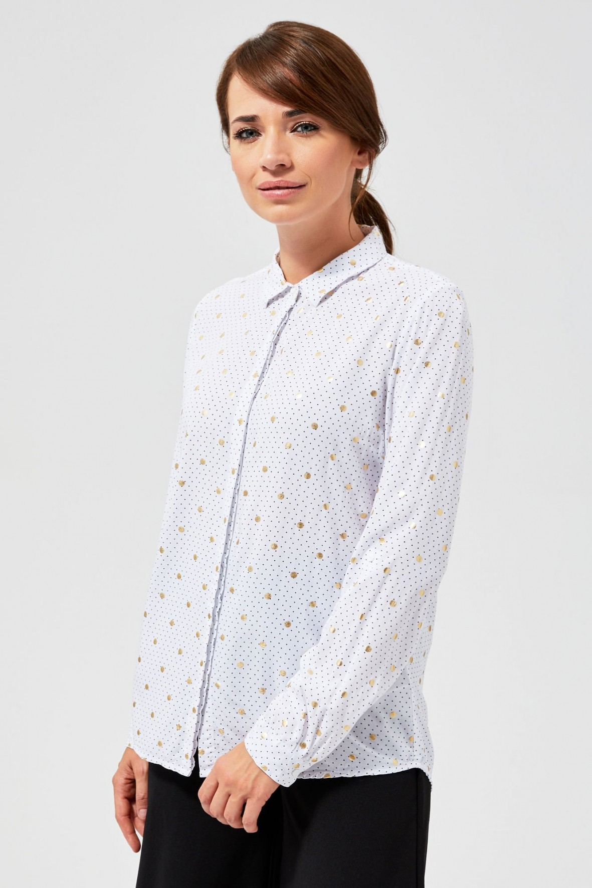 Biała koszula damska w złote kropki
