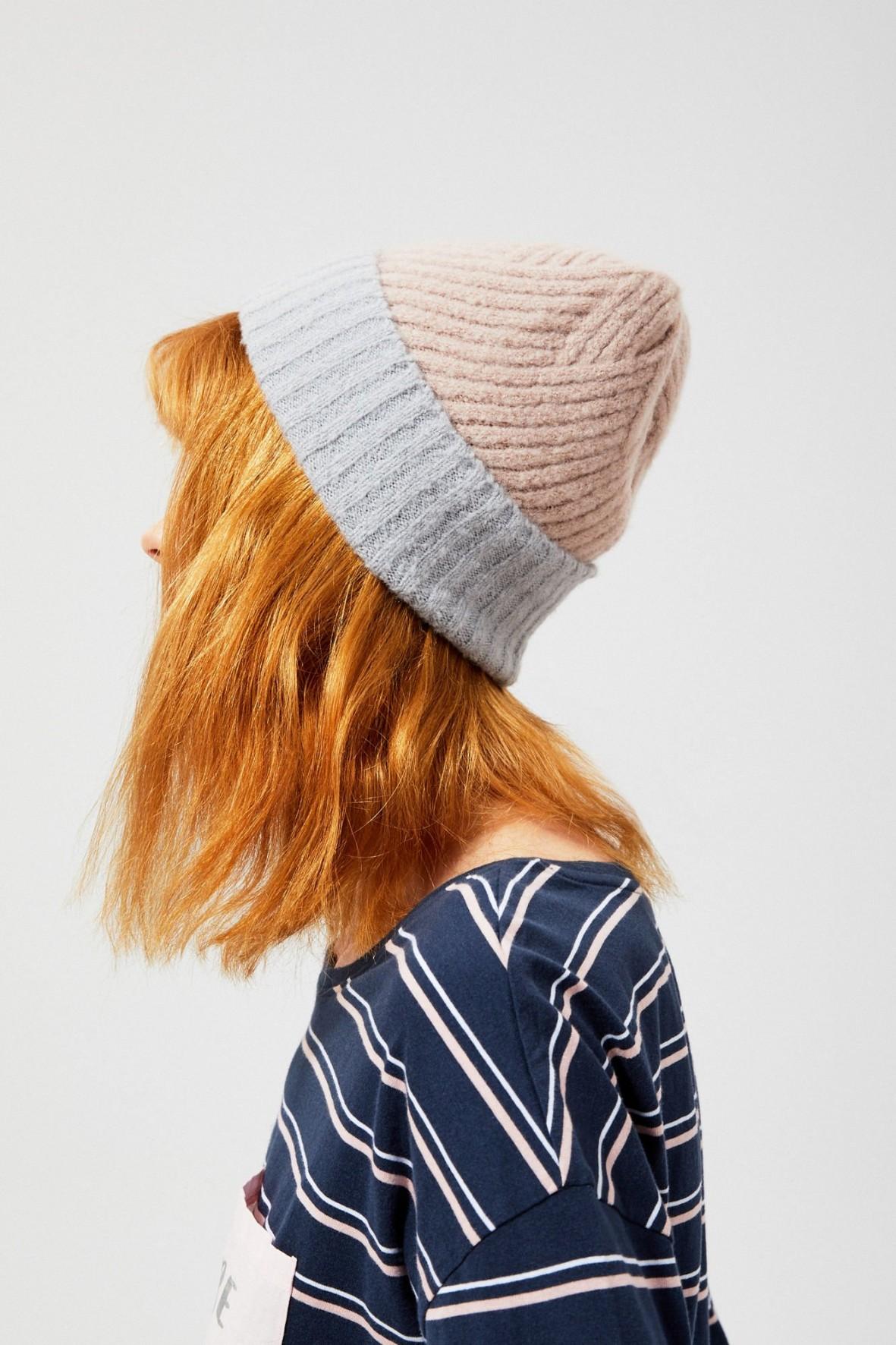 Dwukolorowa czapka damska