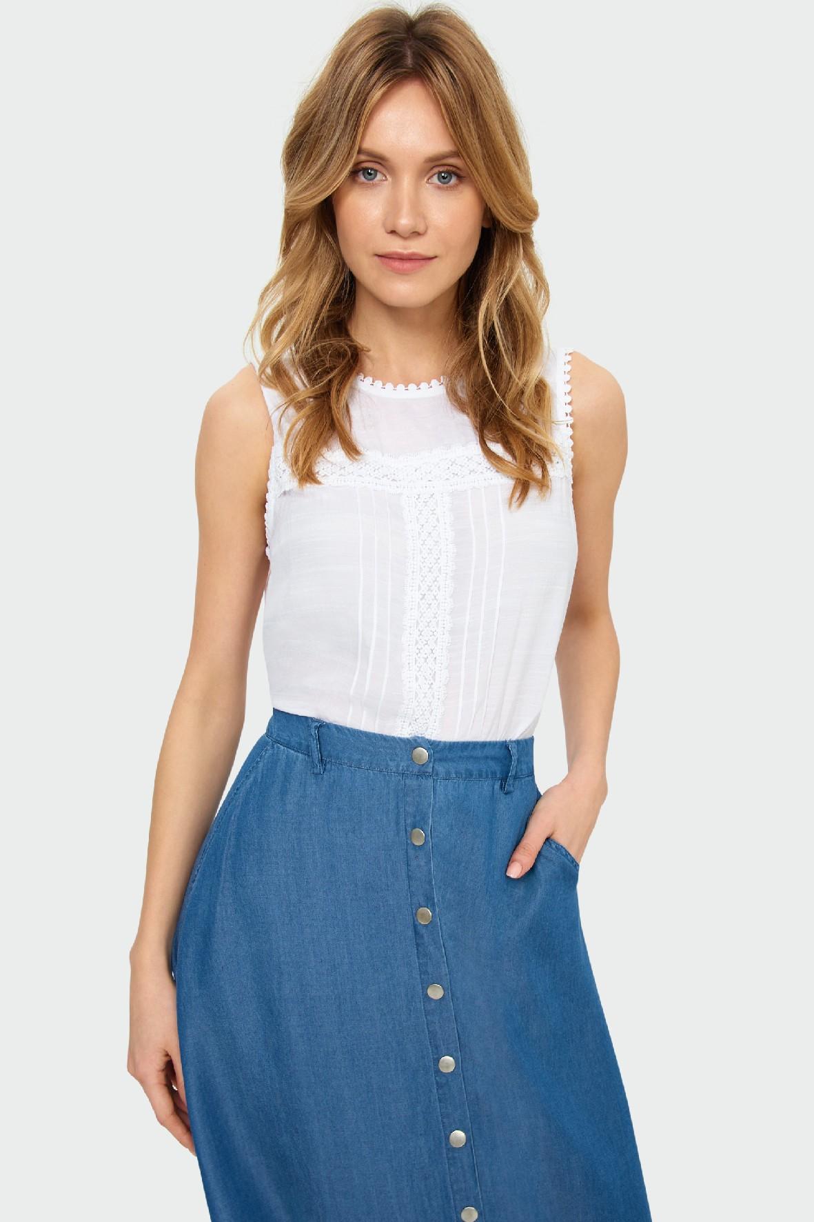Bluzka damska z koronkowymi aplikacjami- biała