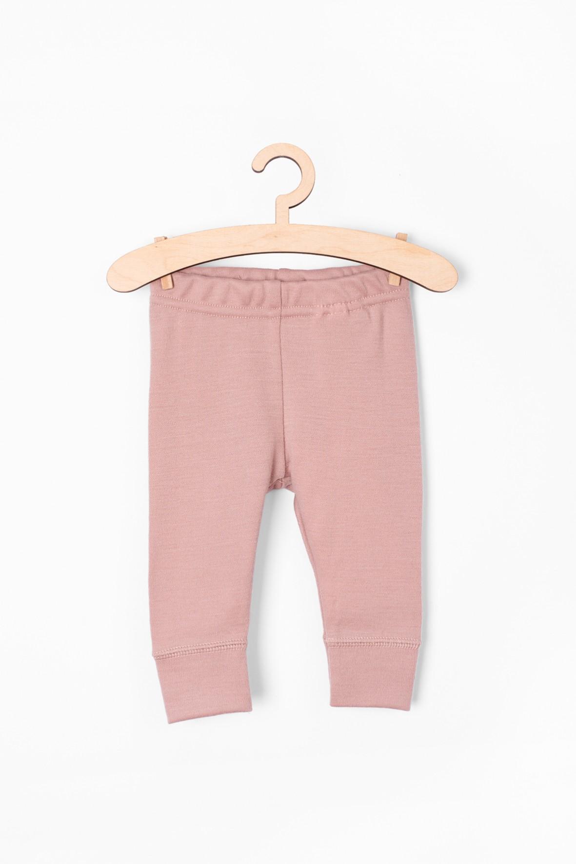 Wełniane różowe spodnie dresowe dla niemowlaka