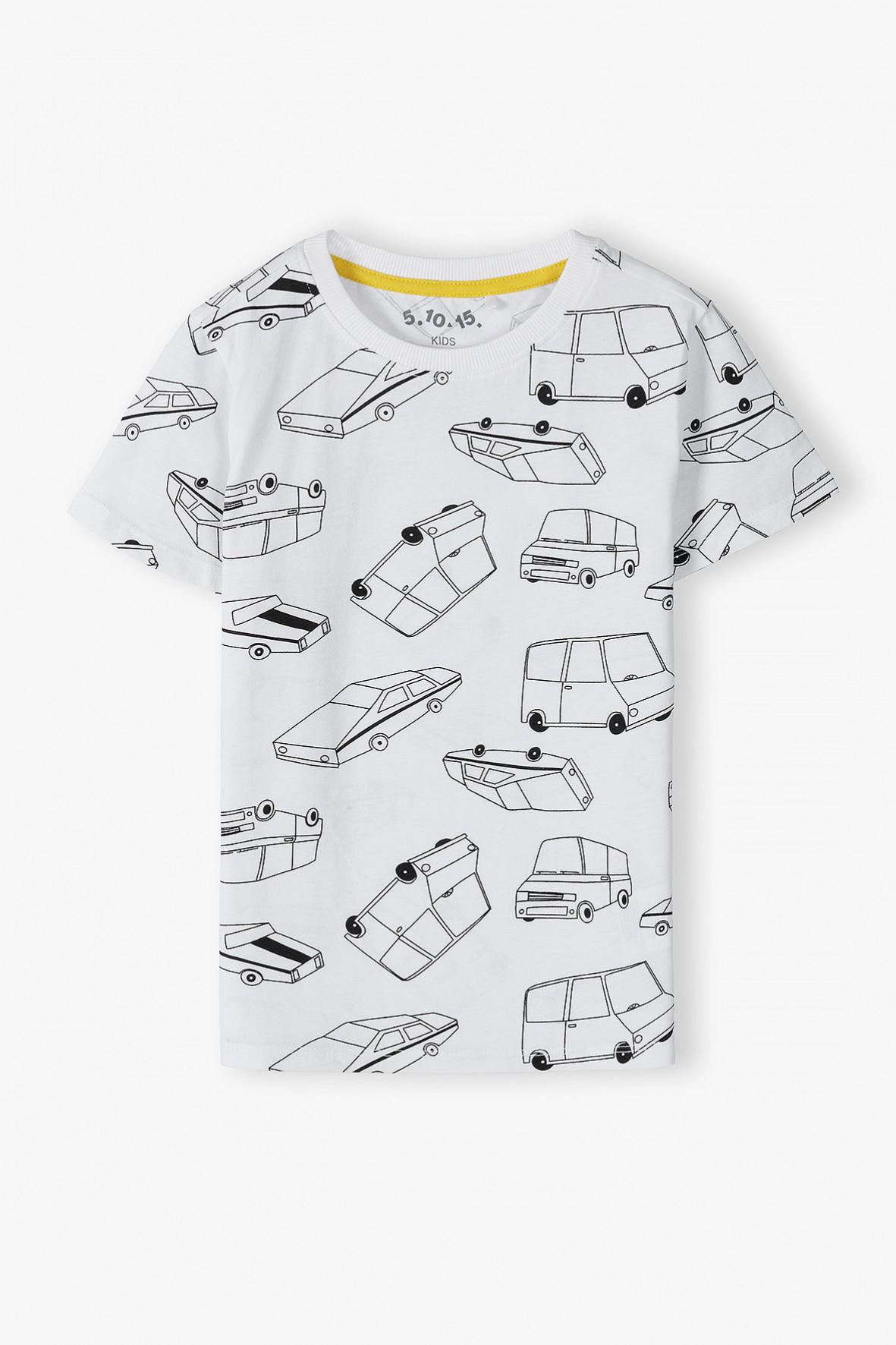 Bawełniany t-shirt chłopięcy w kolorze białym z samochodami